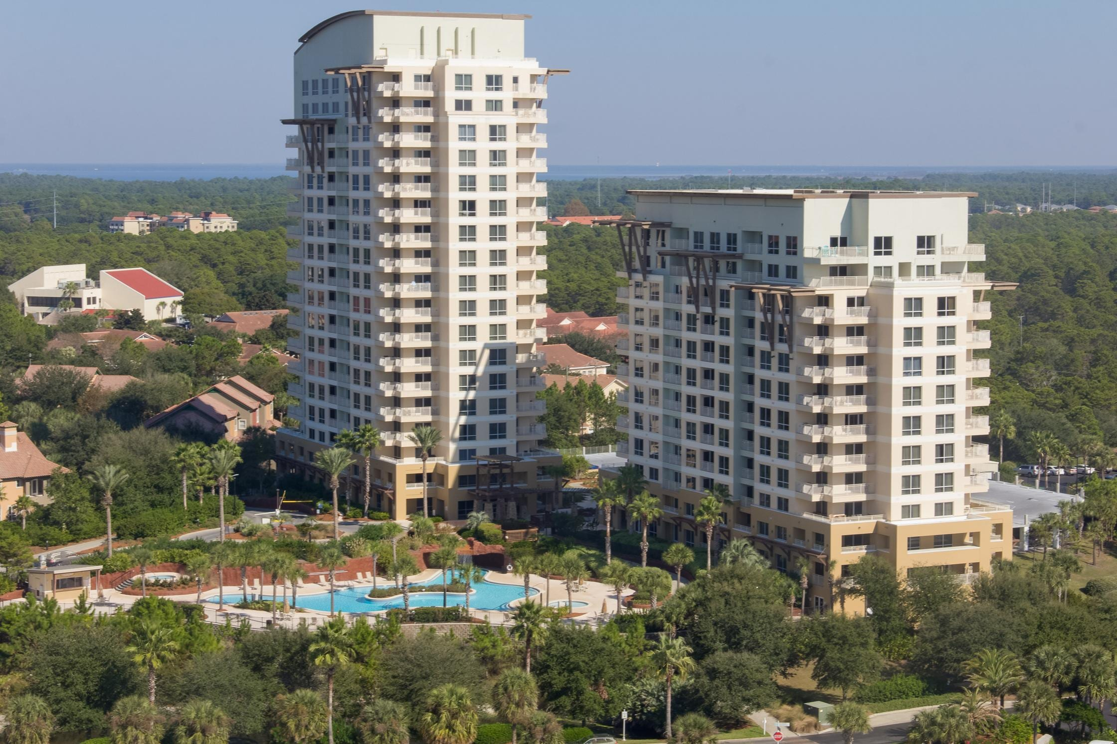 This newly renovated condo in Luau II at Sandestin® Golf and Beach Resort offers exceptional amenities.