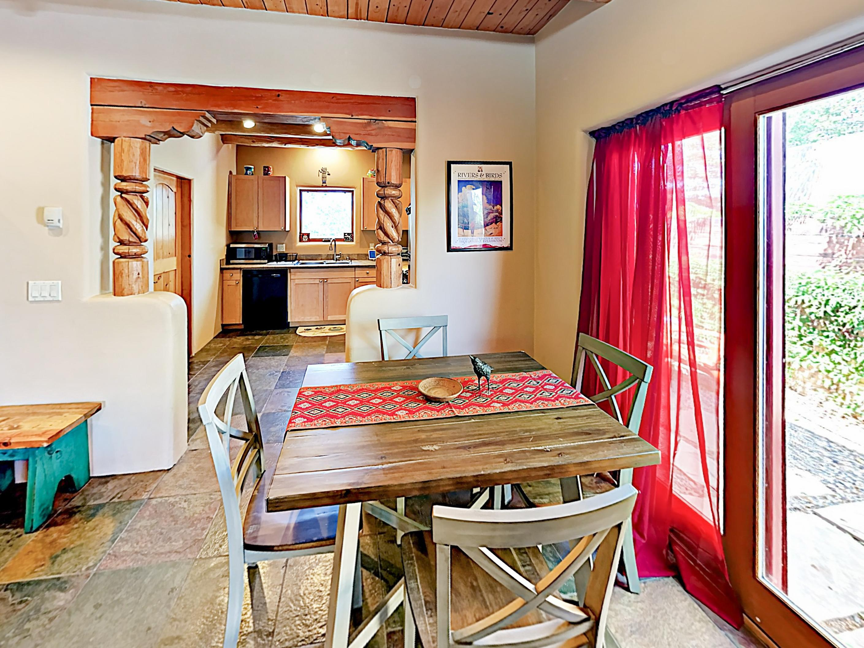 Charming Villa with Backyard near Taos Plaza and Trails