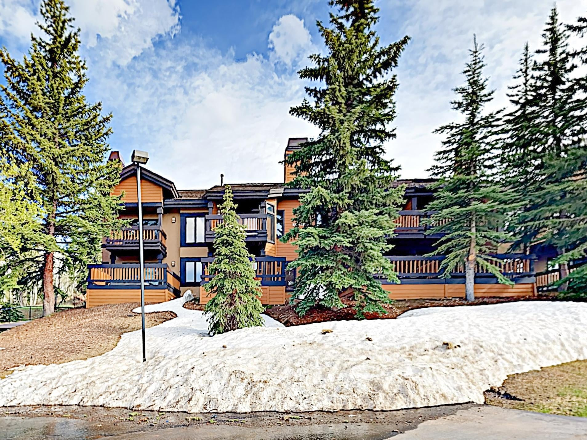 This townhouse offers direct access to the Deer Valley lifts.