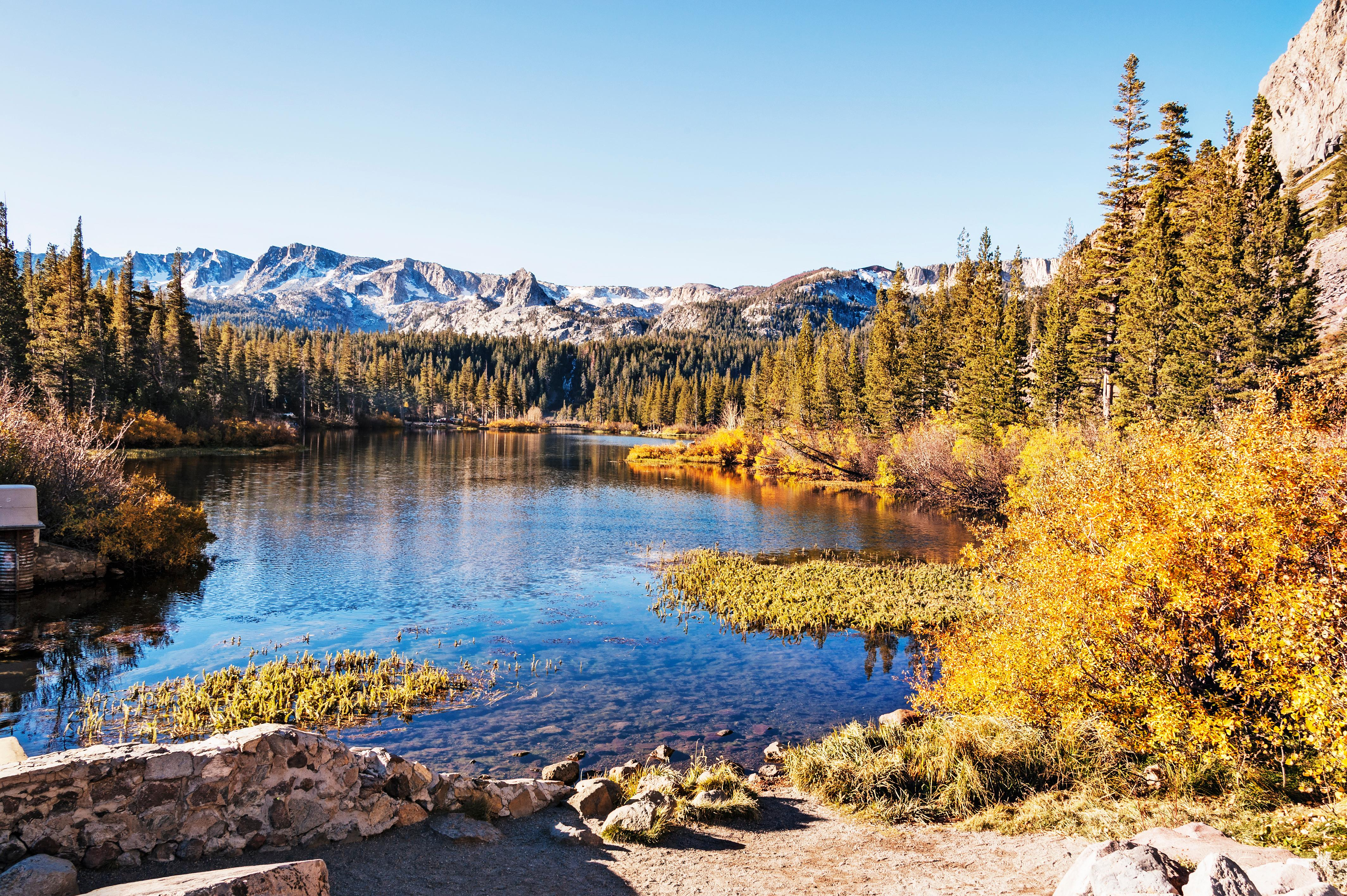 Hike to gorgeous vantage points in the Mammoth Lakes area.