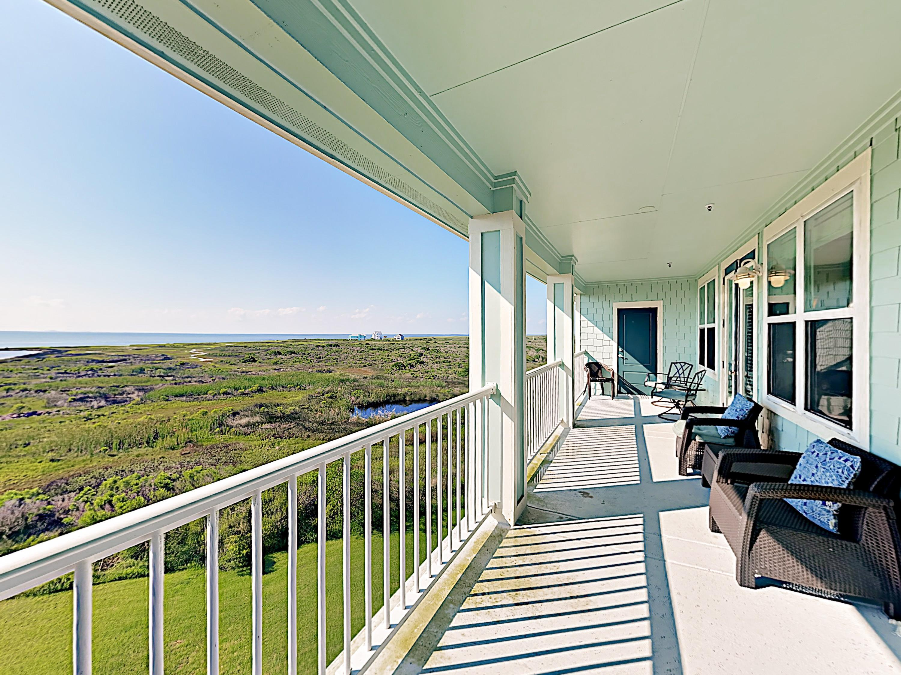 Welcome to Galveston! This condo is professionally managed by TurnKey Vacation Rentals.