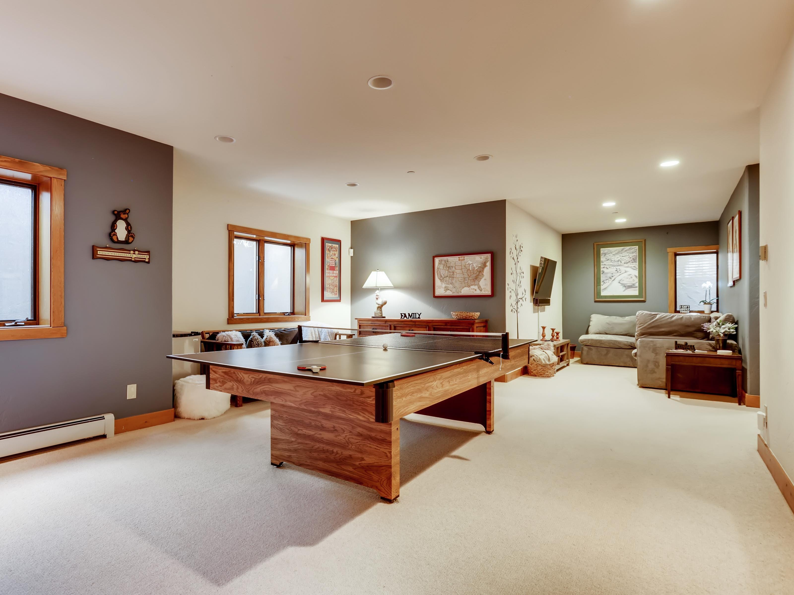 Practice your topspin in the lower-level game room, outfitted with a ping-pong table, futon, and writing desk.
