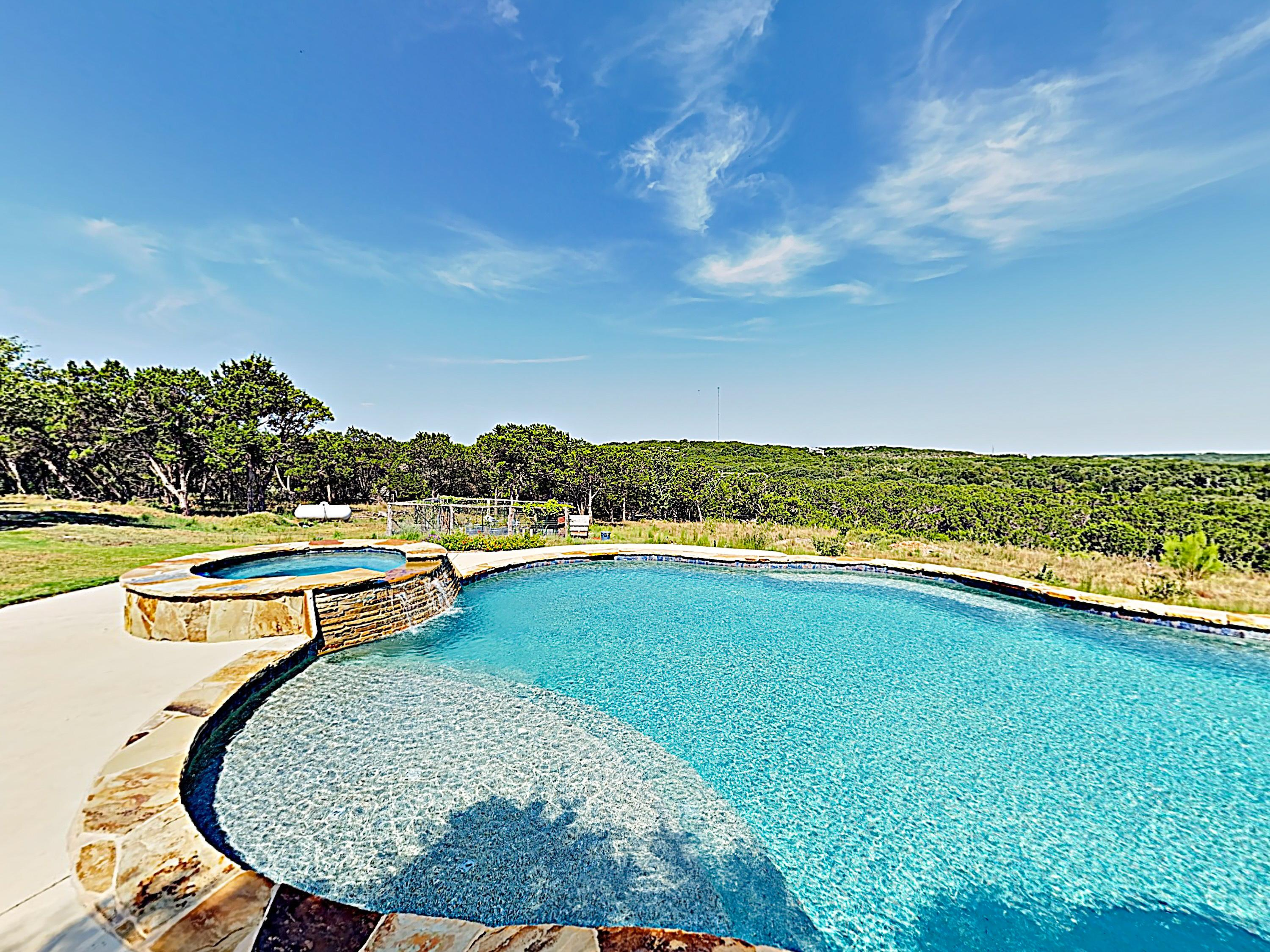 Hill Country Sanctuary with Pool Hot Tub and Game Room