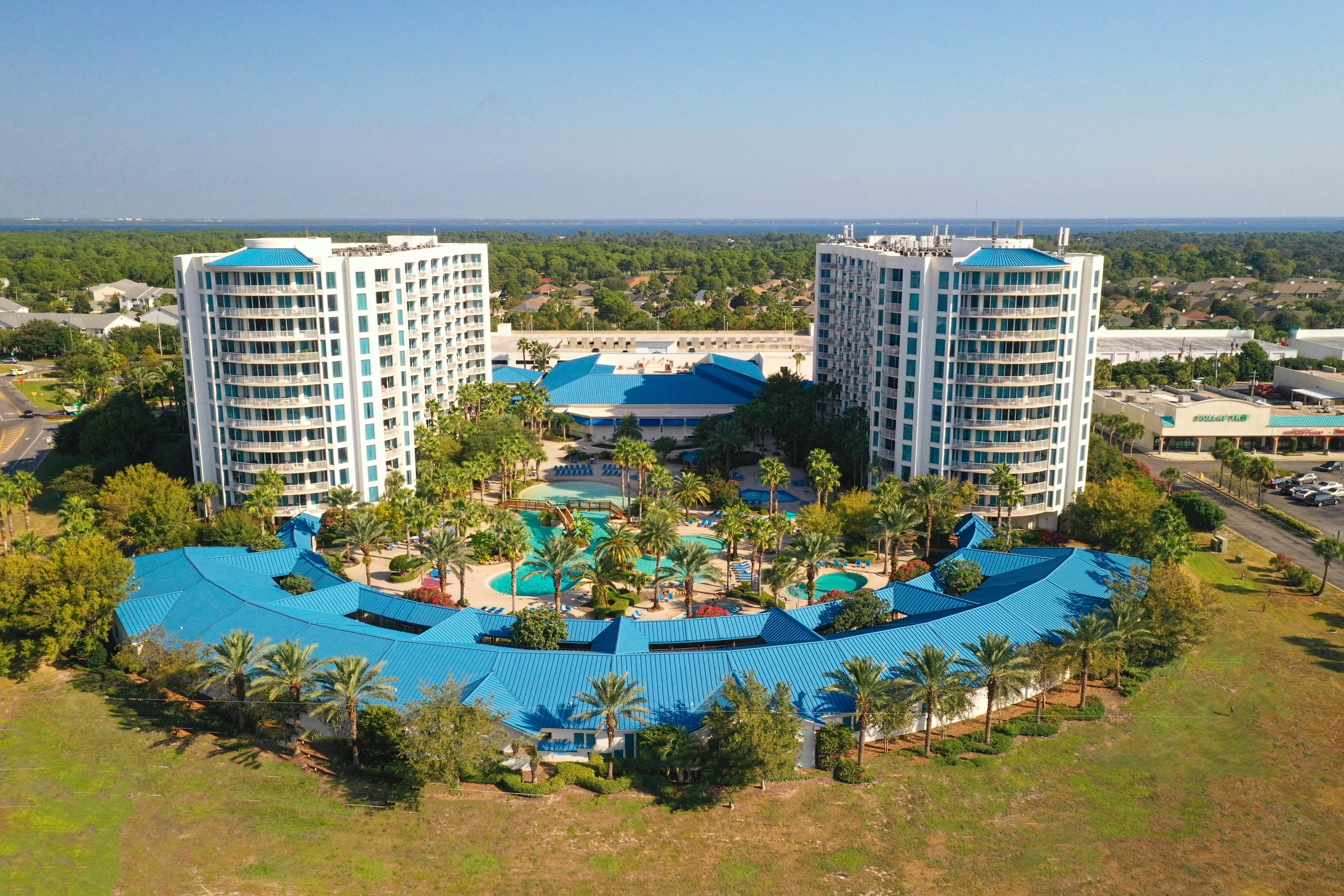 The Palms of Destin Resort is within walking distance of popular seafood restaurants and less than 1 mile from beautiful Henderson Beach State Park.