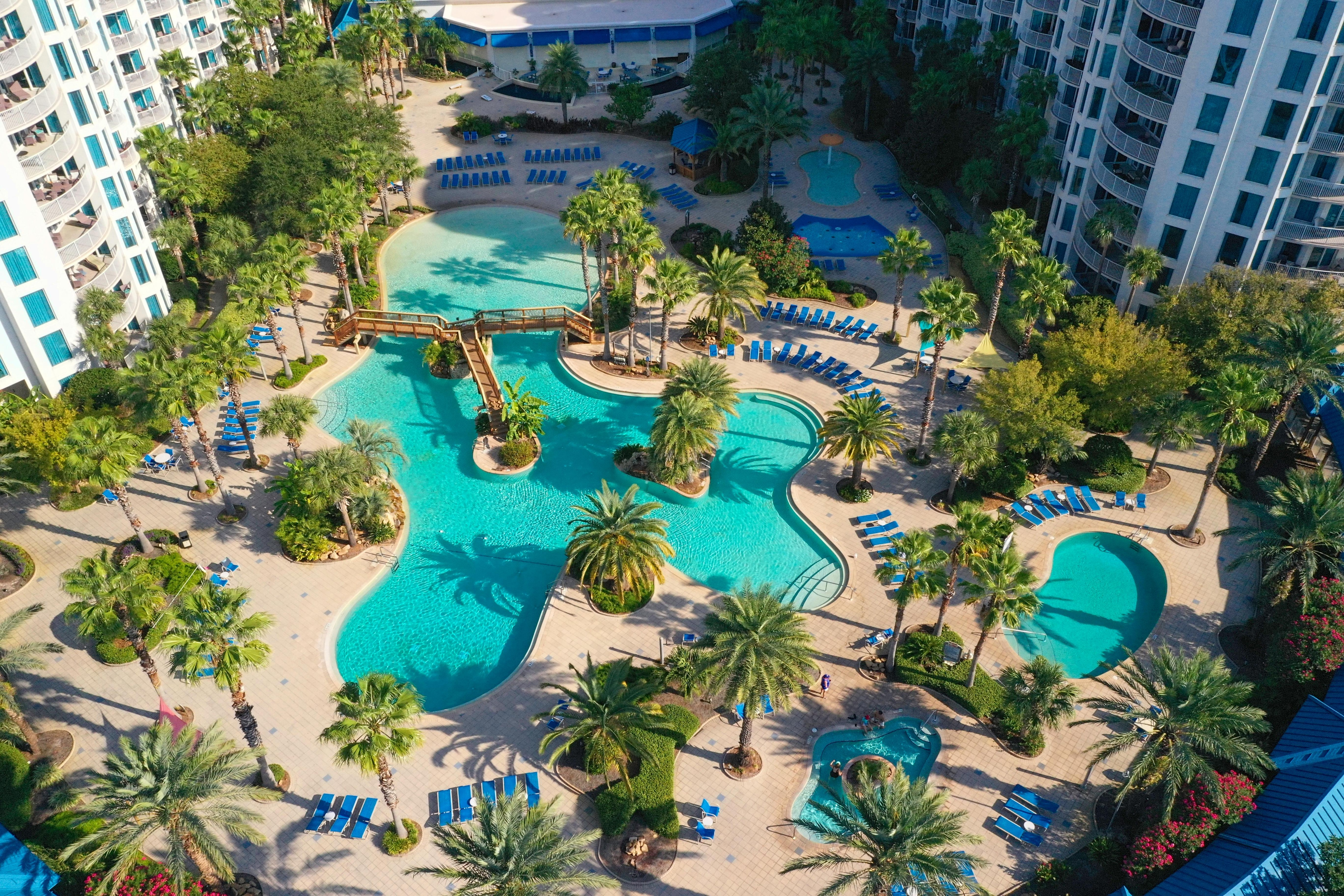 This ground-floor unit provides easy access to the resort's 2 pools, splash pad, and hot tub.
