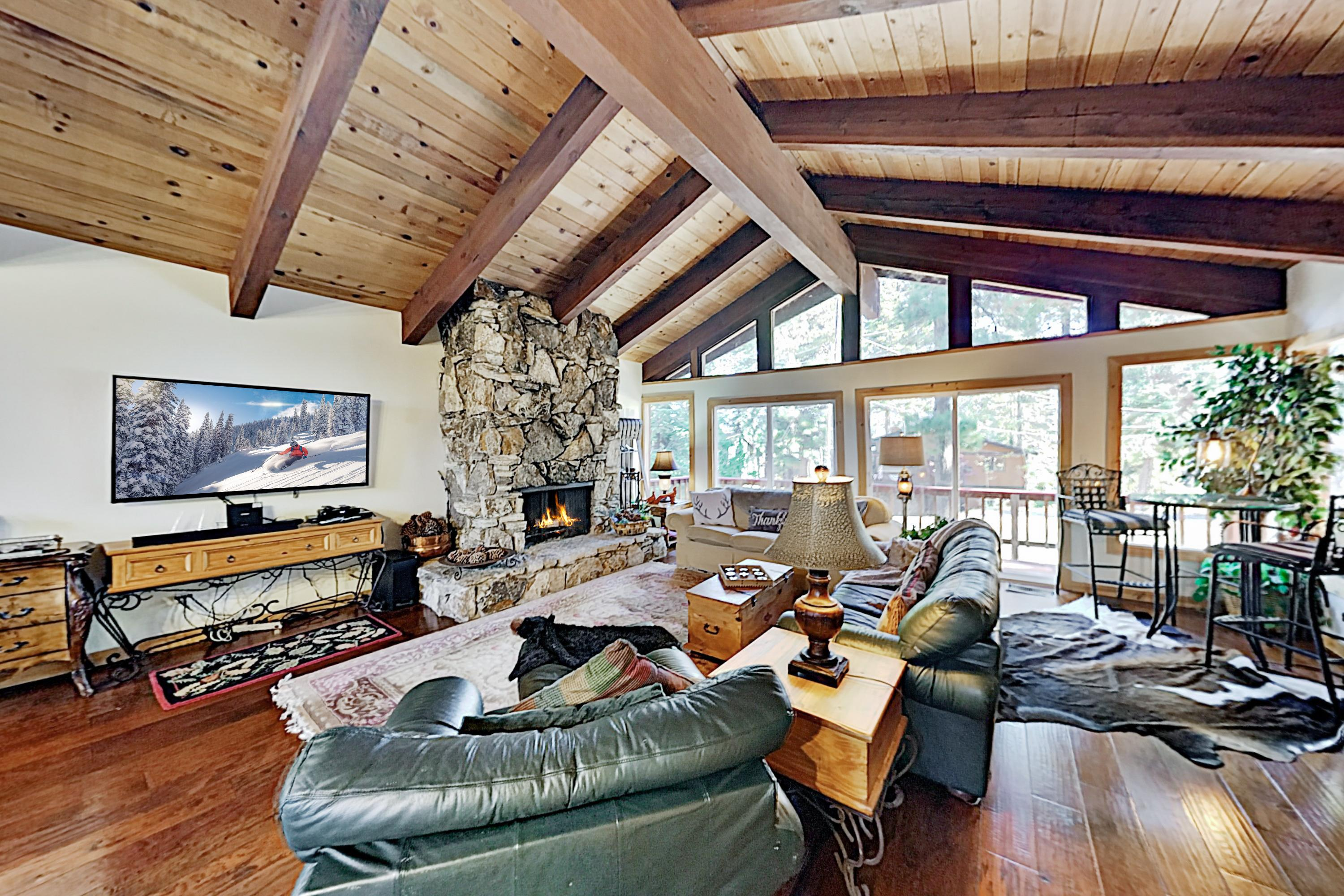 Large Home Near Squaw Valley & Alpine Meadows