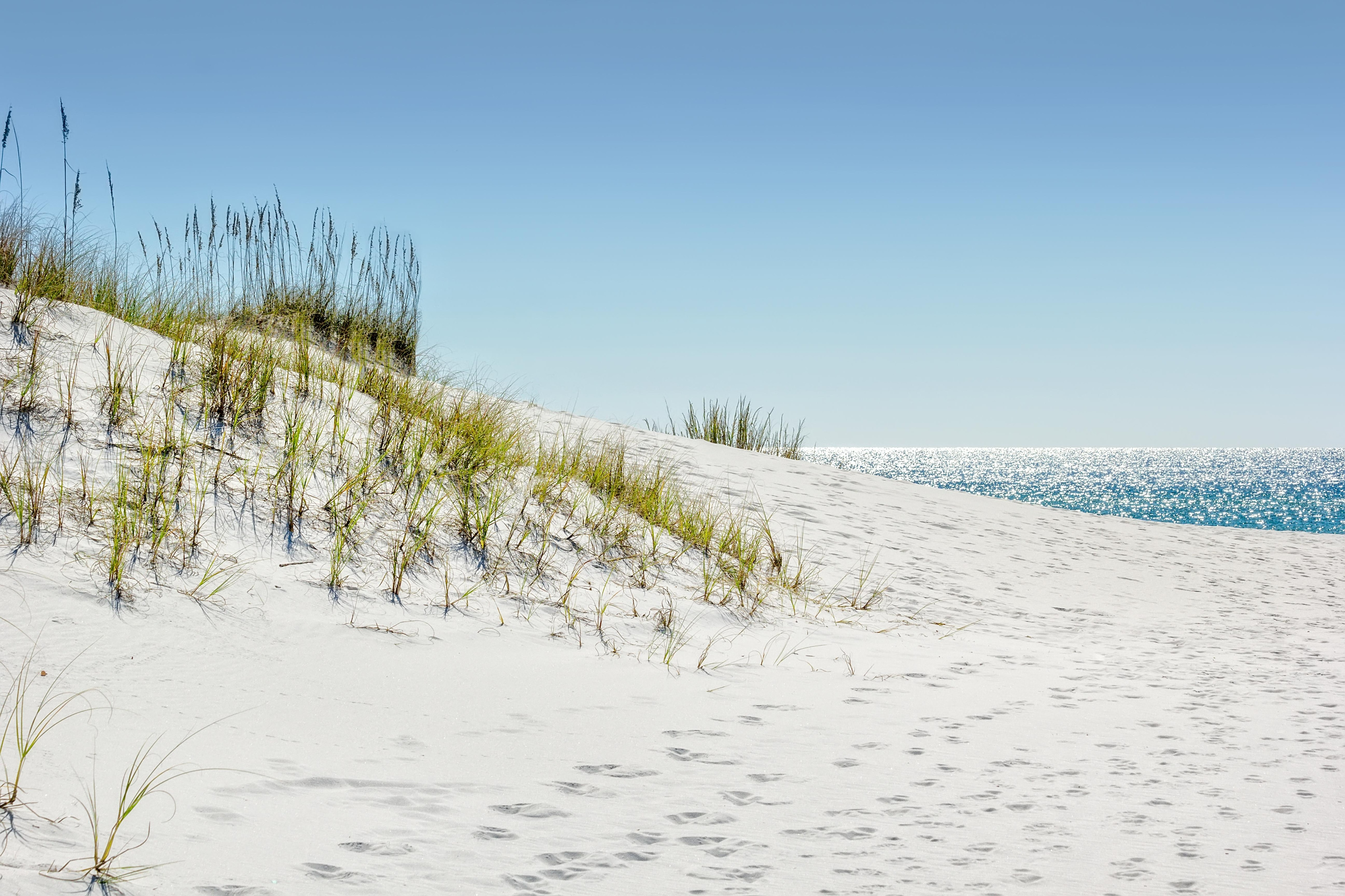 Spend fun-filled days on the sugar sands of Okaloosa Island.