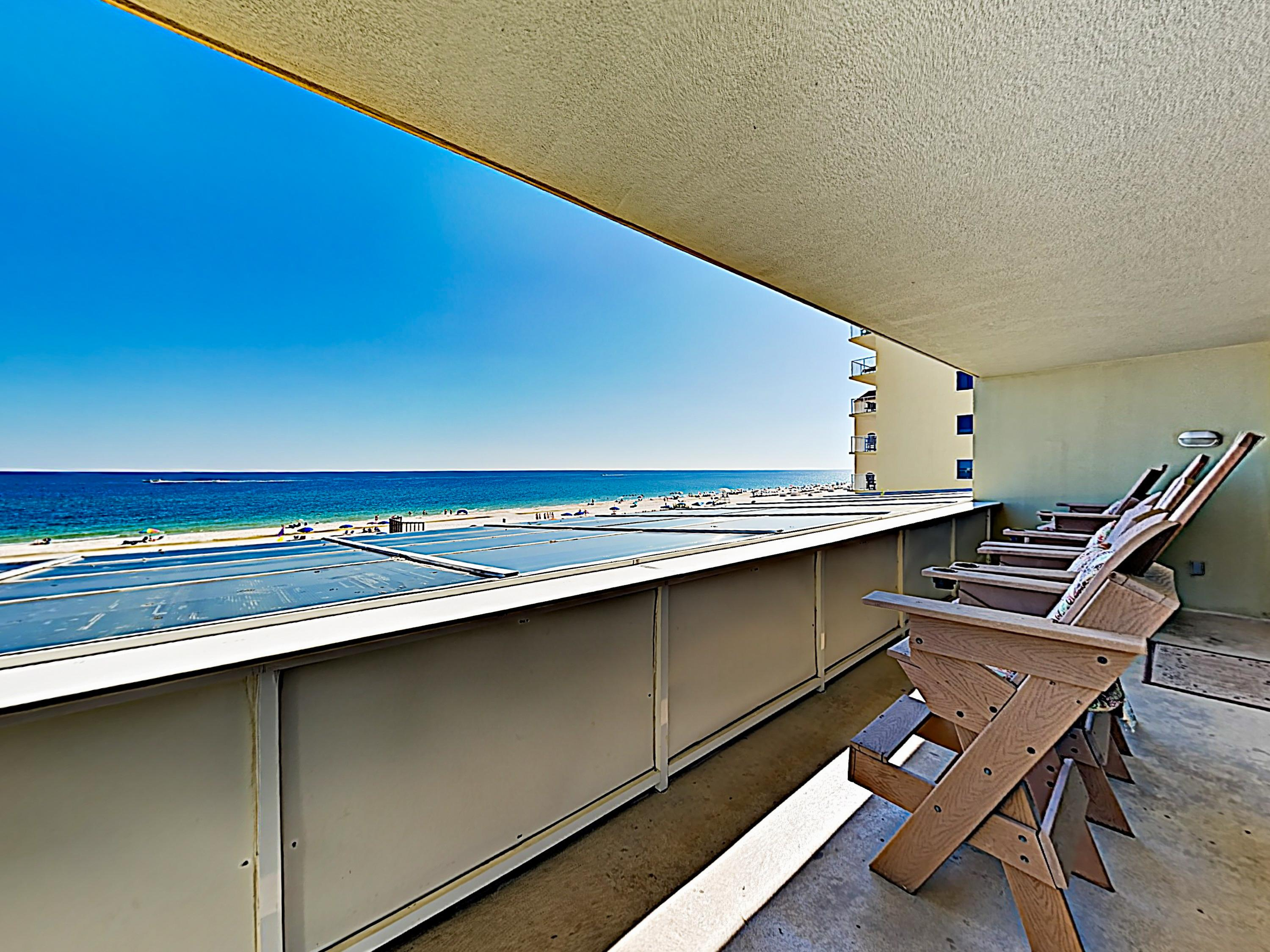 A private 30' balcony boasts stunning views of the sparkling Gulf.