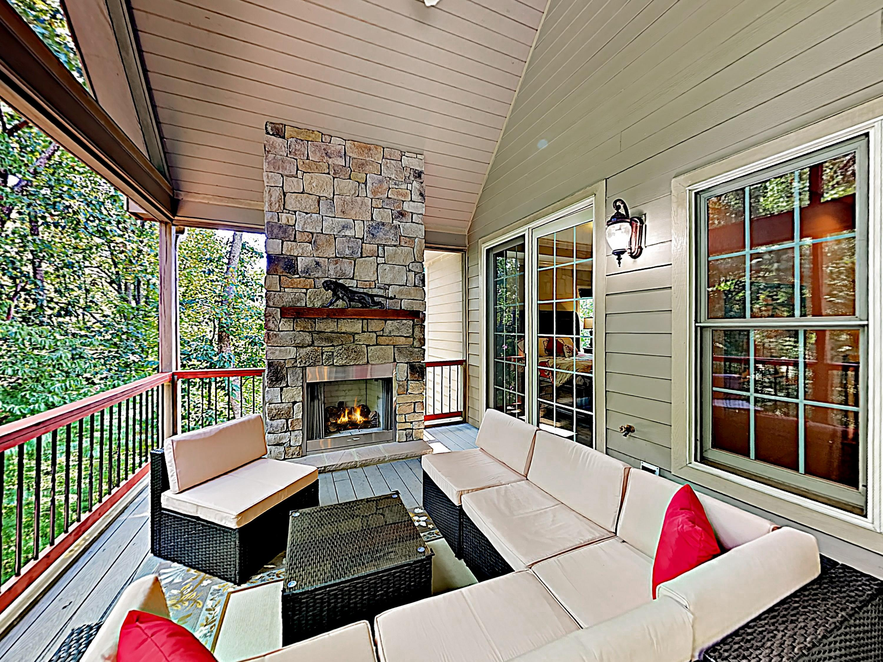 Property Image 1 - Custom All-Suite Home with Hot Tub and Outdoor Fireplace