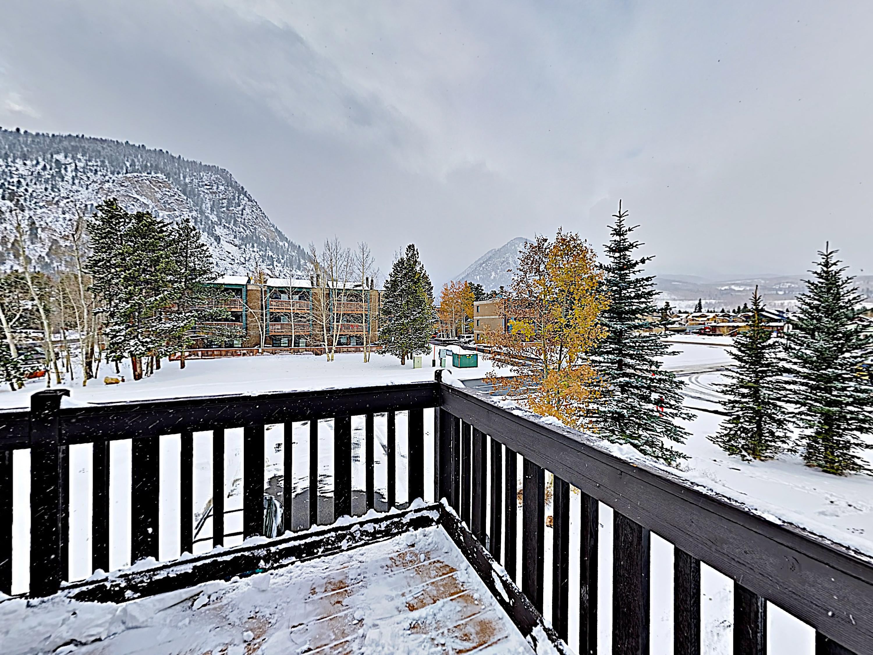 Your Frisco getaway is perfectly positioned blocks from downtown and a short drive from Summit County's best ski resorts.