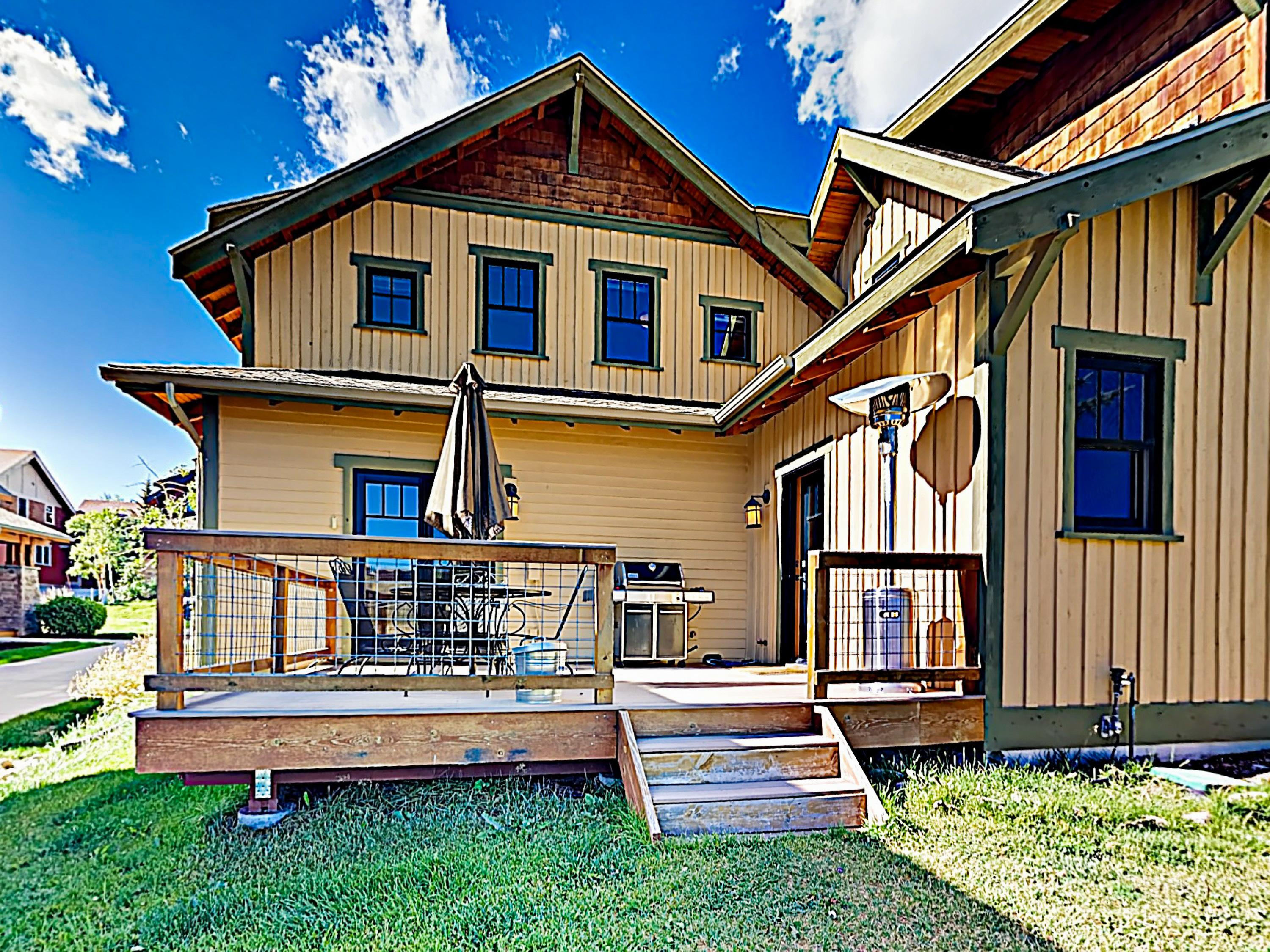 This Fraser cottage offers unspoiled Colorado splendor!