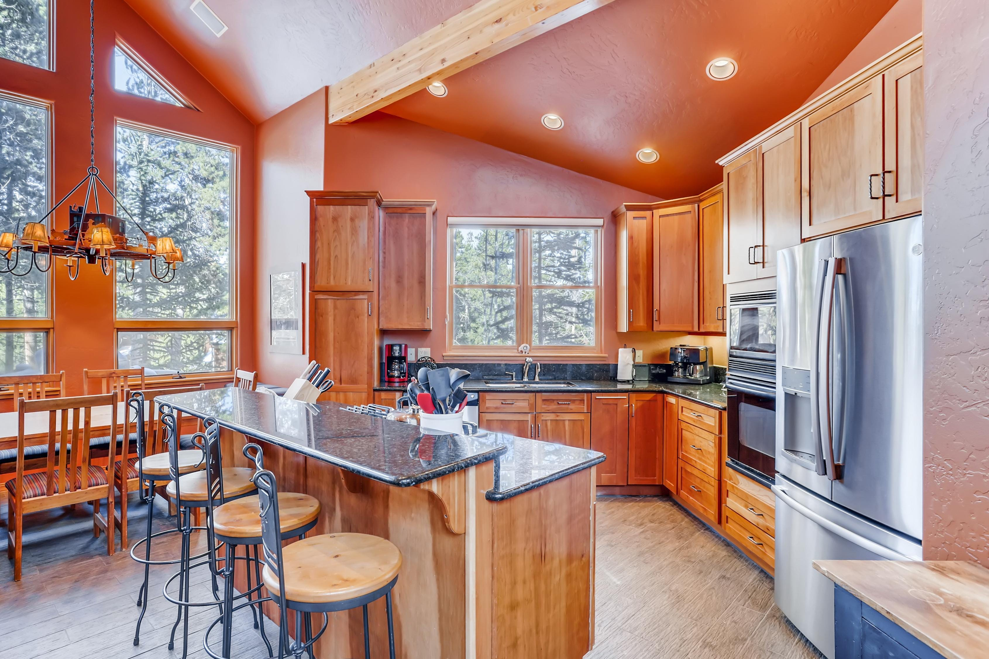 The chef in your group will appreciate the gourmet kitchen, outfitted with stainless steel appliances.