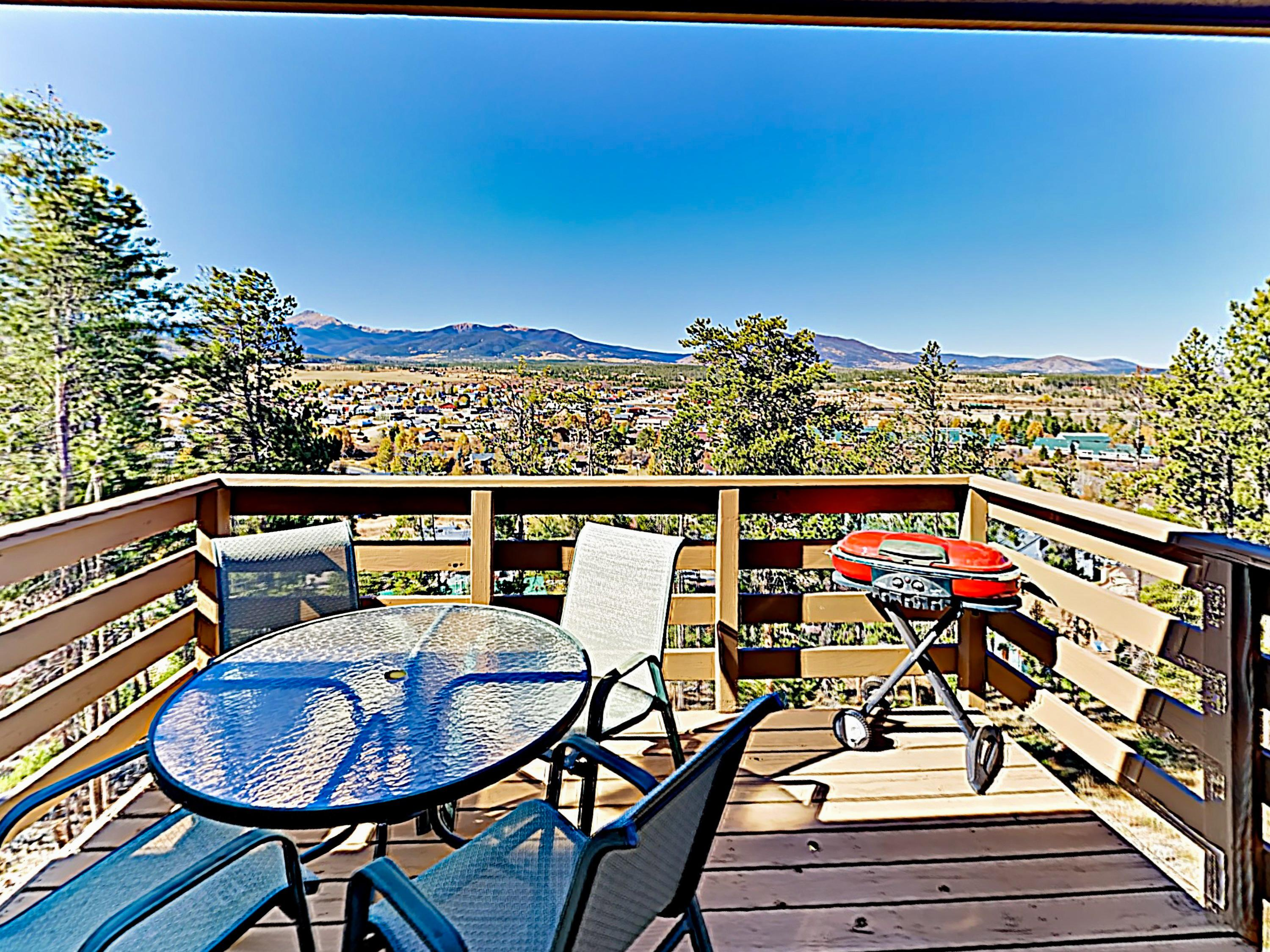 Mountain Townhome with Gorgeous Views