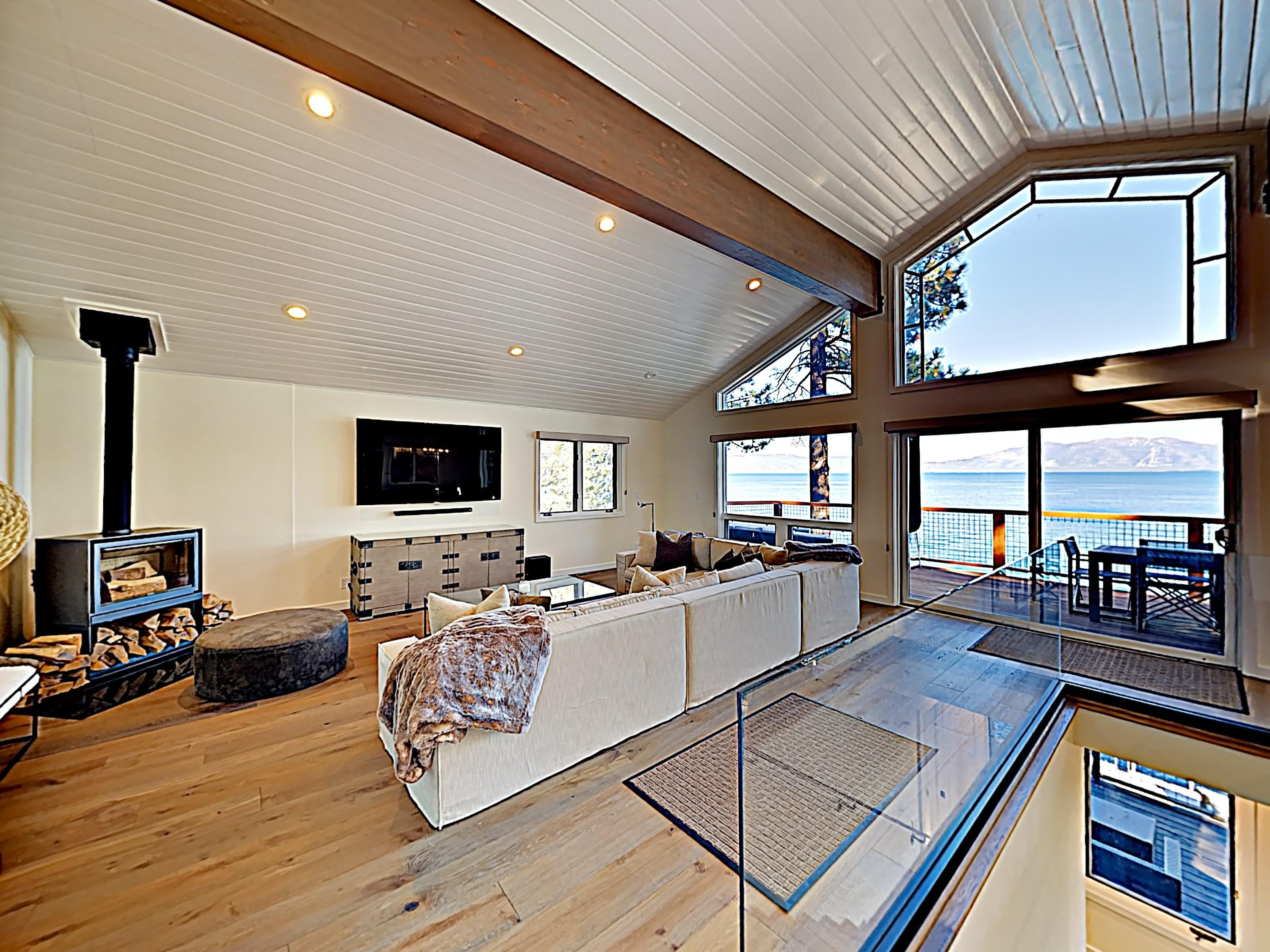 Property Image 2 - Stunning Lakefront Chalet with Private Dock and Hot Tub