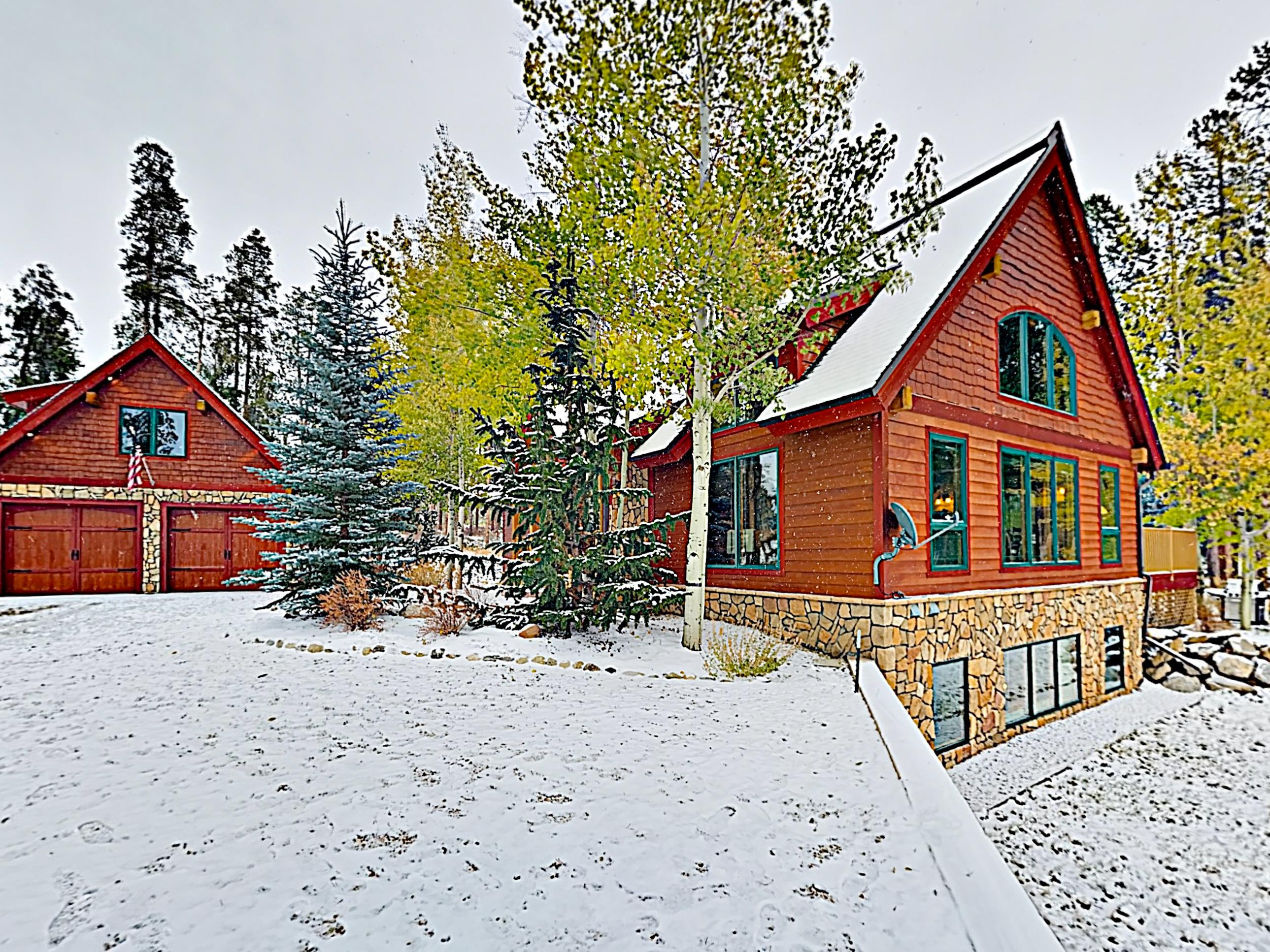 Welcome to Grand Lake! This home is professionally managed by TurnKey Vacation Rentals.
