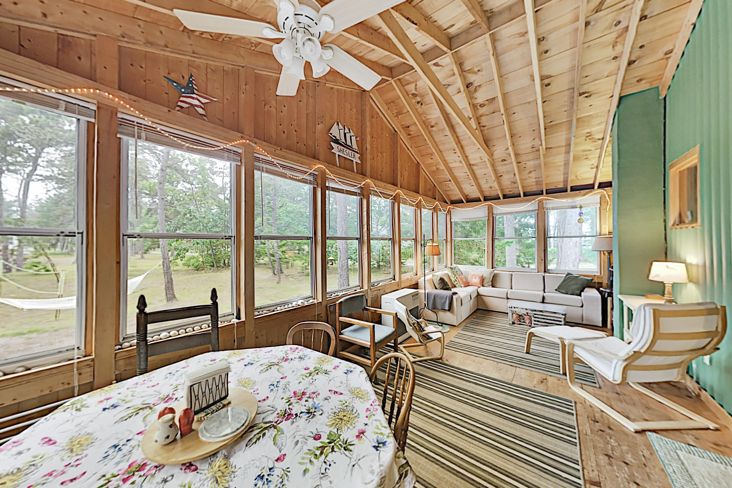 Classic Popham Cabin with Large Yard, Near Beach