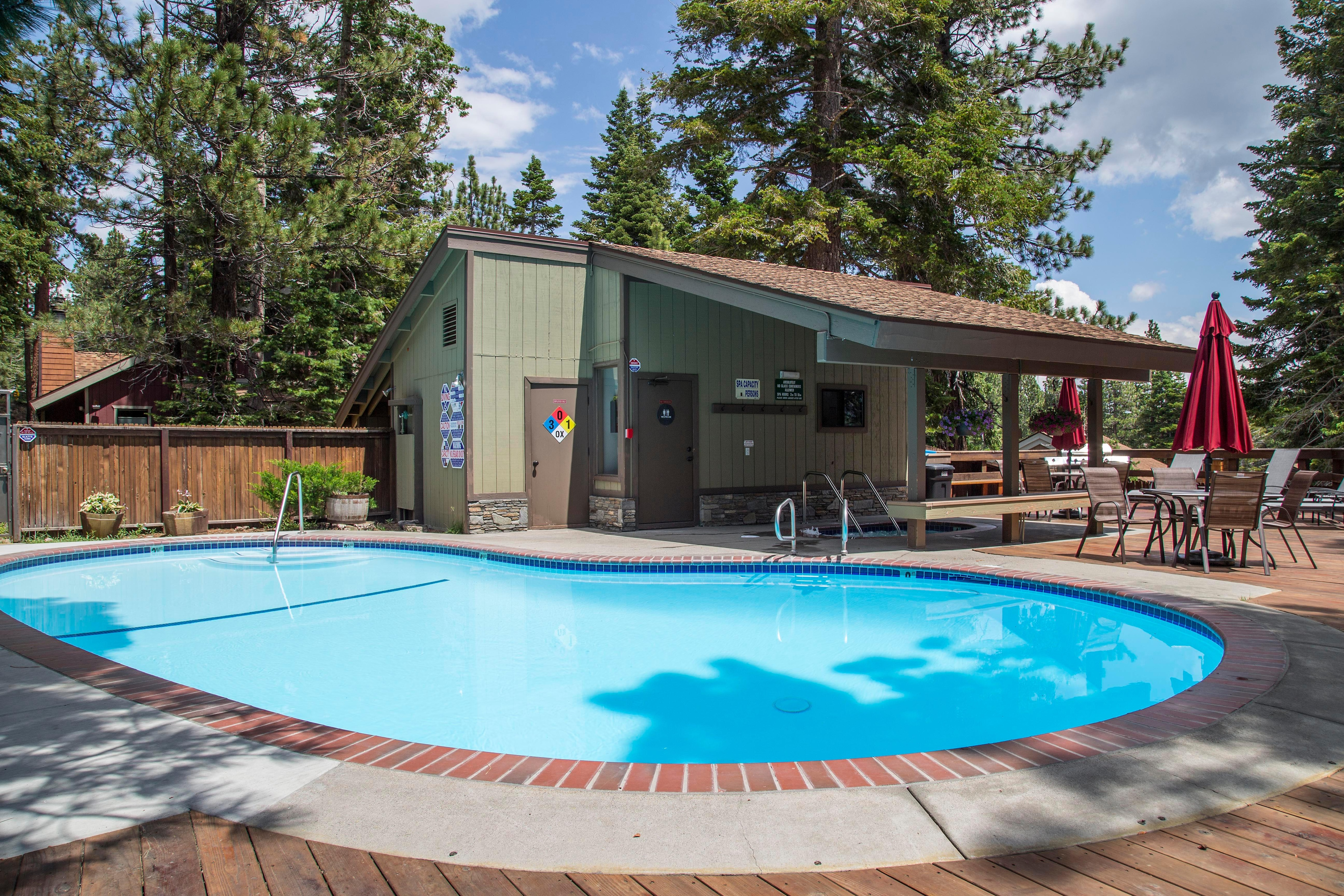 Enjoy access to a swimming pool, 2 hot tubs, and 2 saunas!