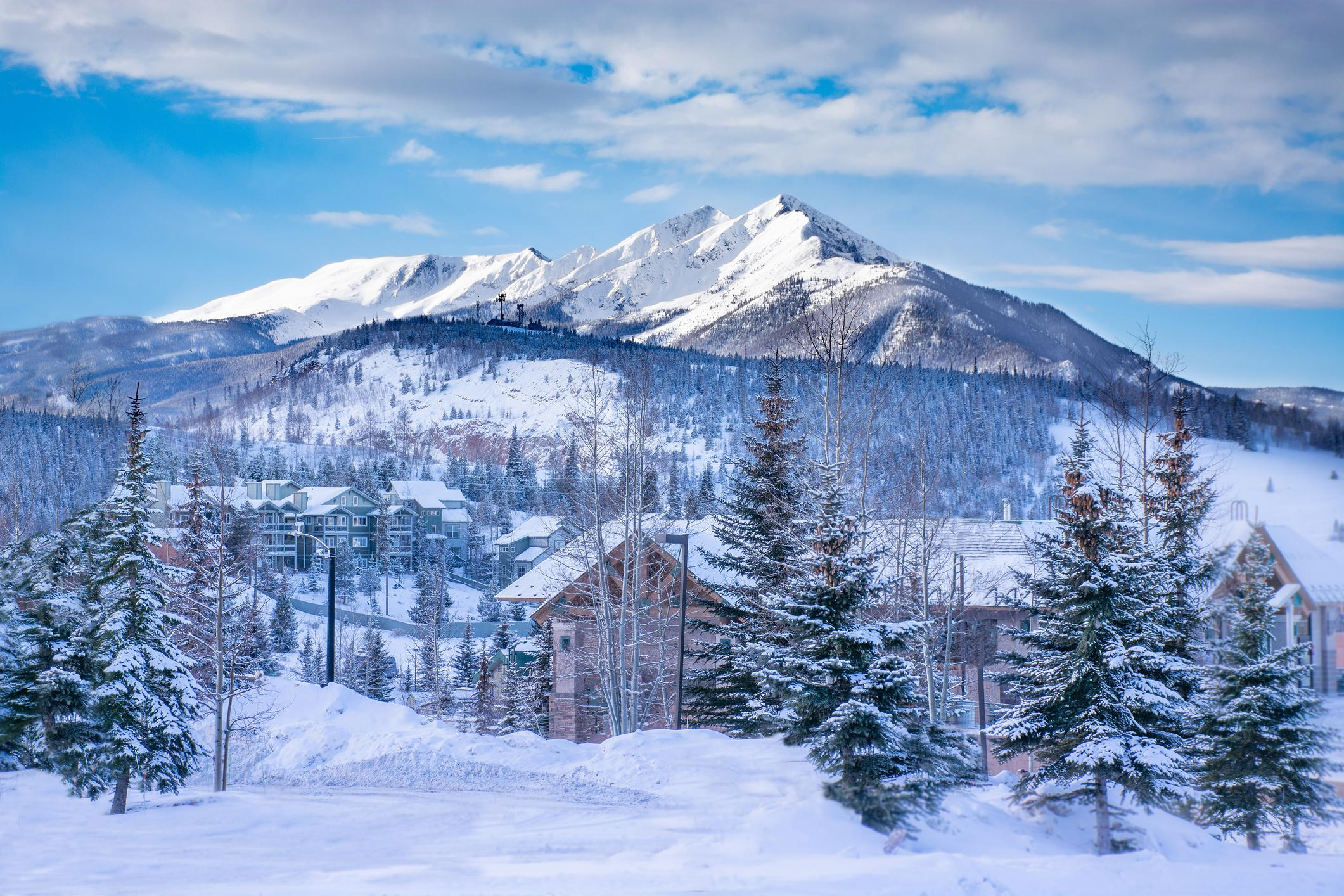 Travel just minutes to the slopes at multiple prominent ski resorts.