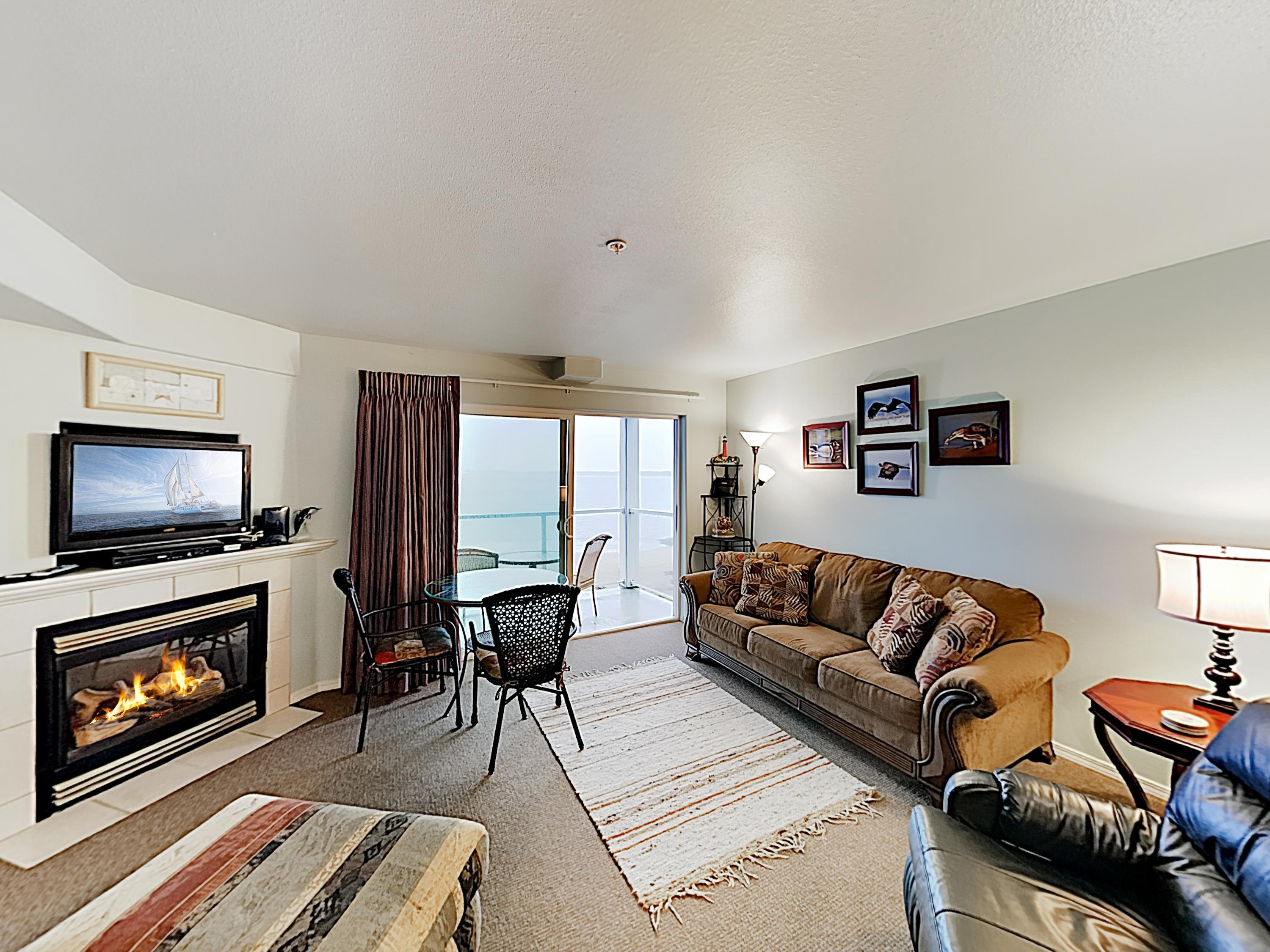 Welcome to Lincoln City! This condo is professionally managed by TurnKey Vacation Rentals.