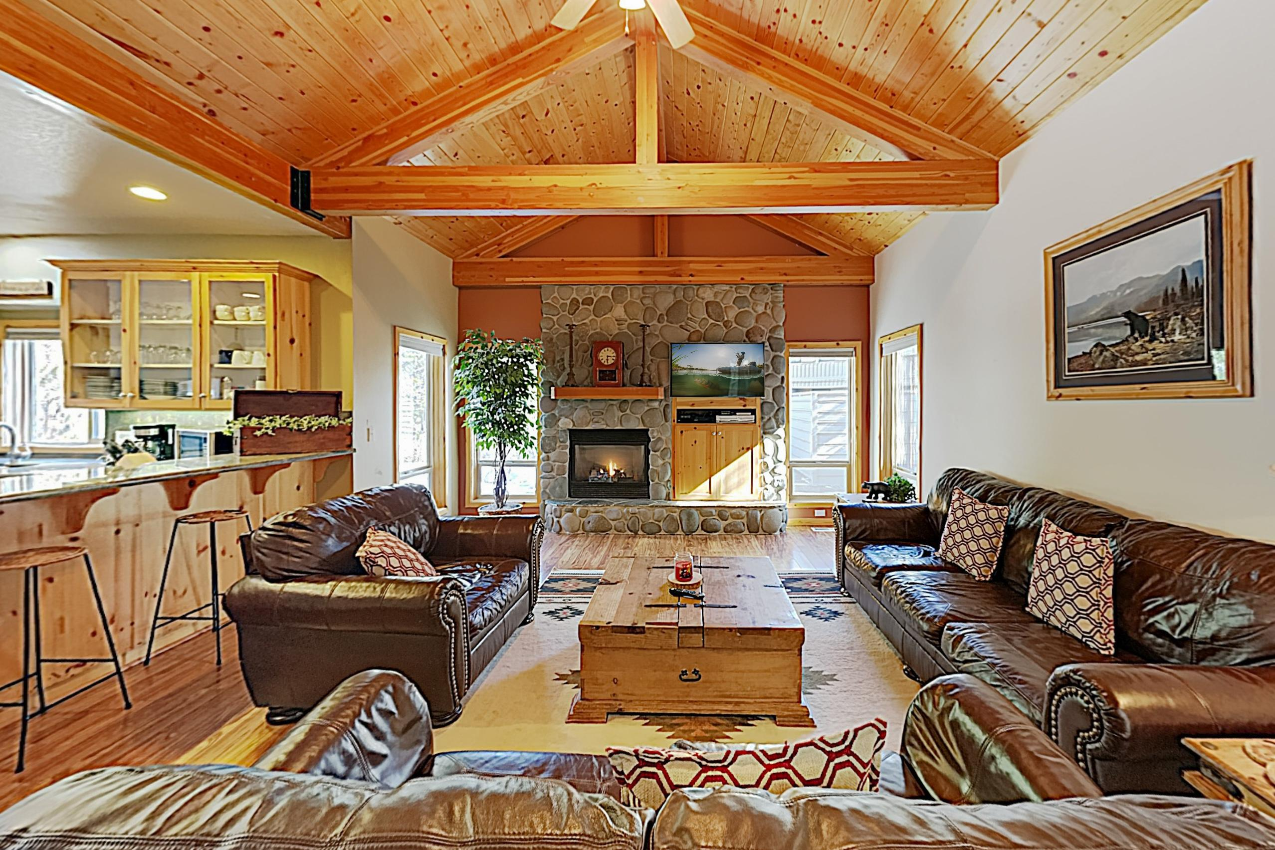 Welcome to Sunriver! This home is professionally managed by TurnKey Vacation Rentals.