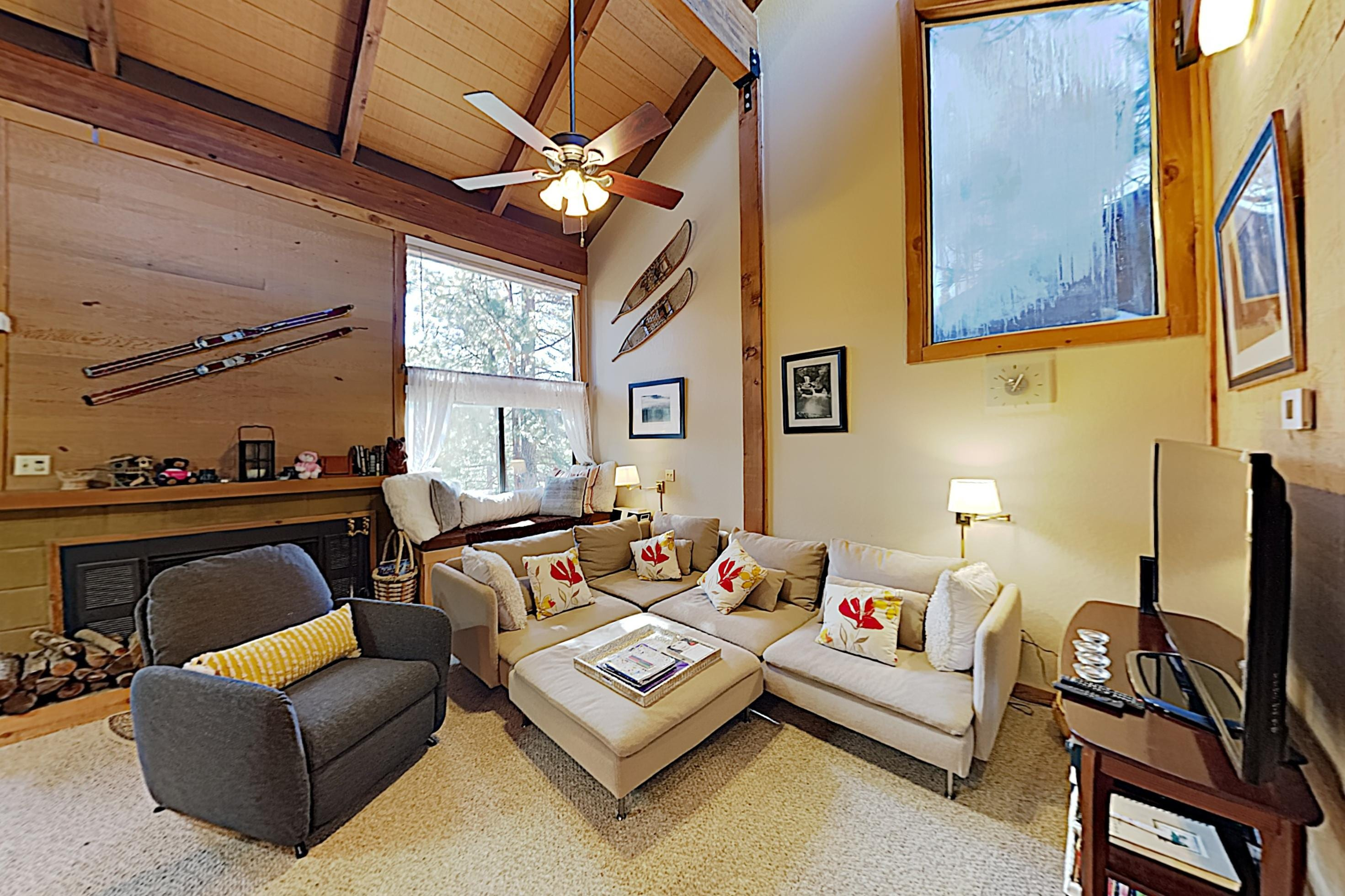 Stylish Northstar Resort Condo with Deck