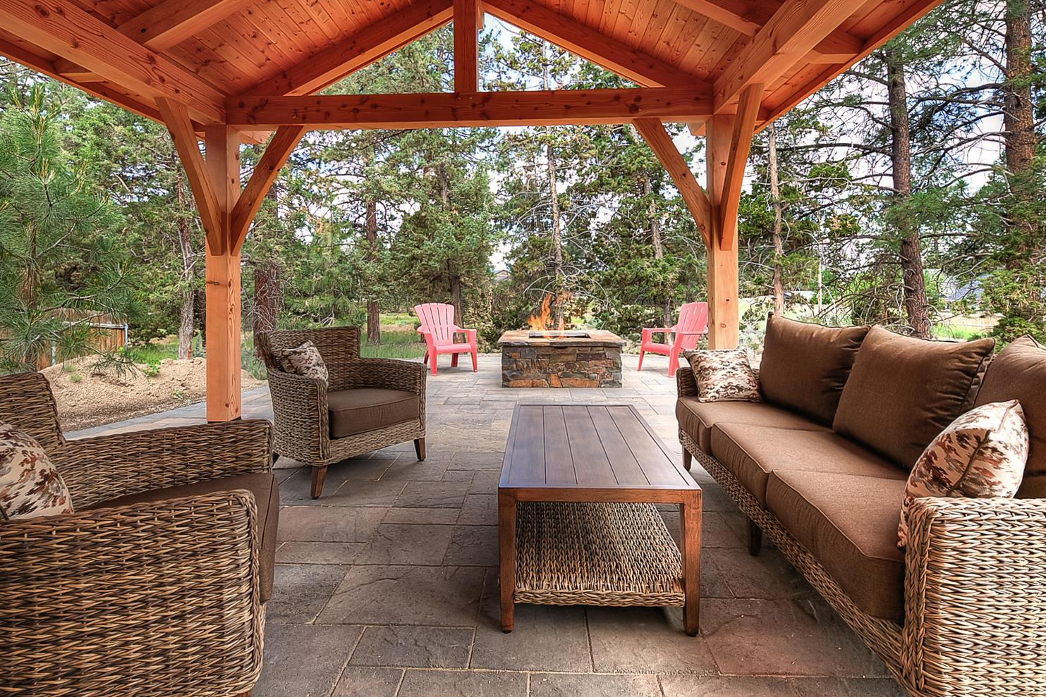 Charming Home with Fireplace & Spacious Patio & Firepit