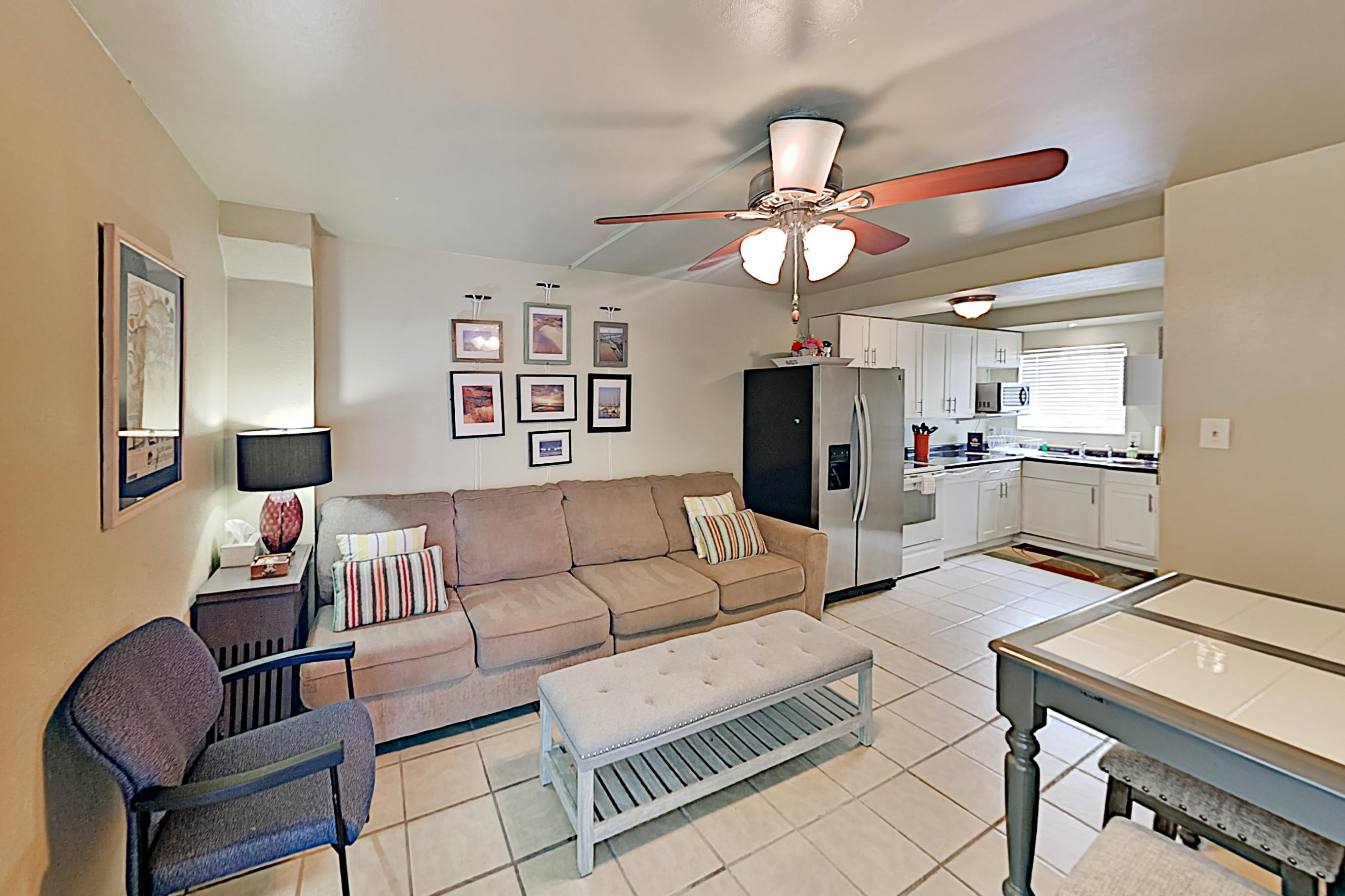 Property Image 1 - Lovely Condo with Shared Indoor & Outdoor Pools & Boat Slip