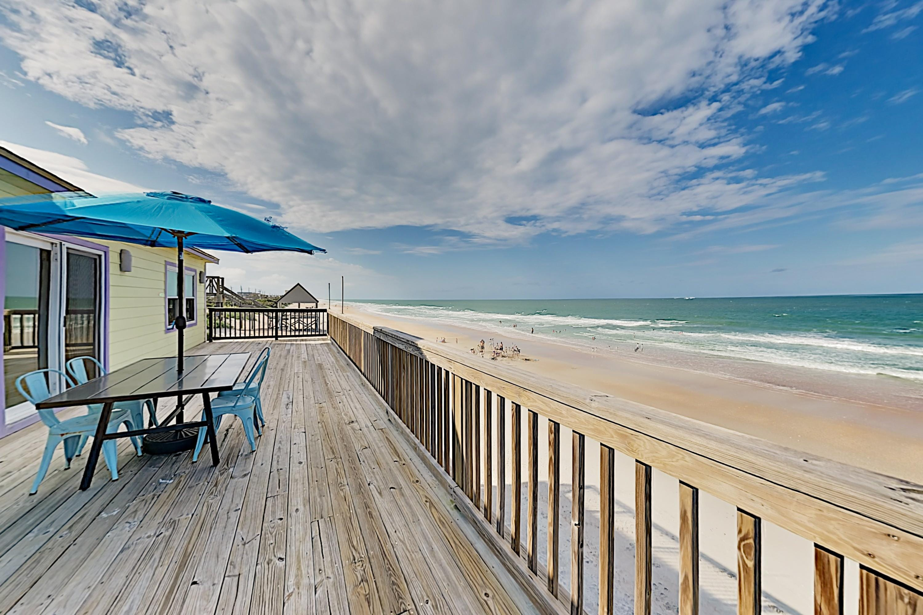 Property Image 1 - Hercules by the Sea: Beachfront, Huge Deck & Patio