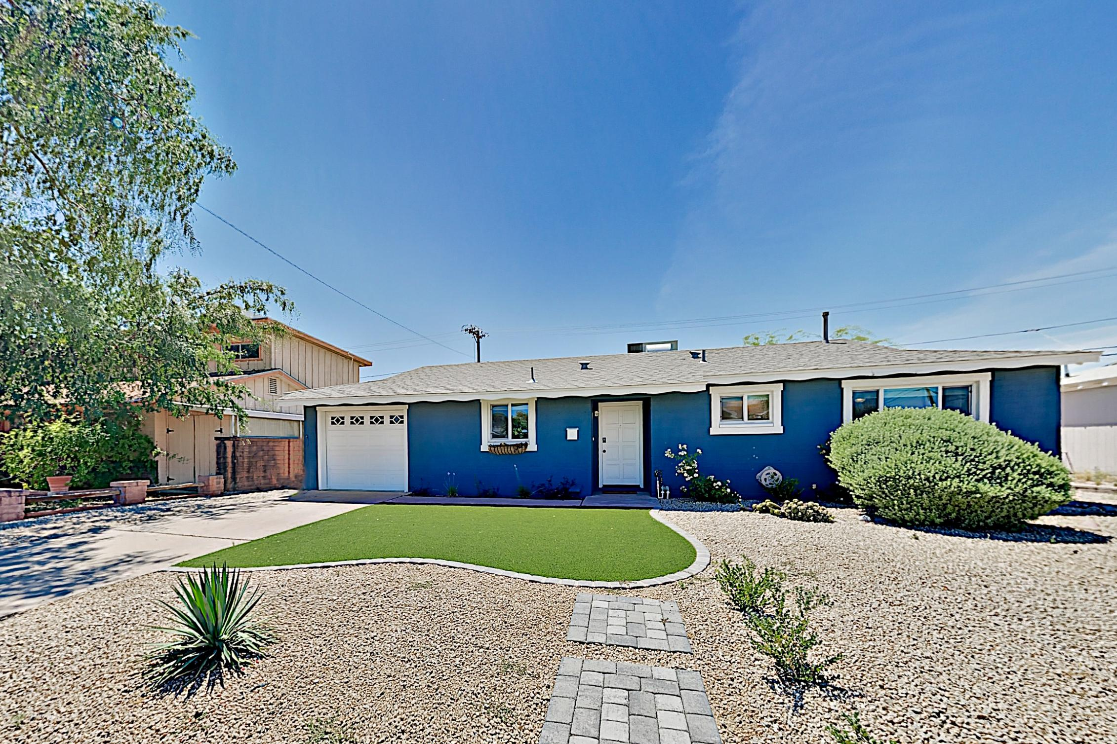 Property Image 1 - The Blue Bungalow in Old Town