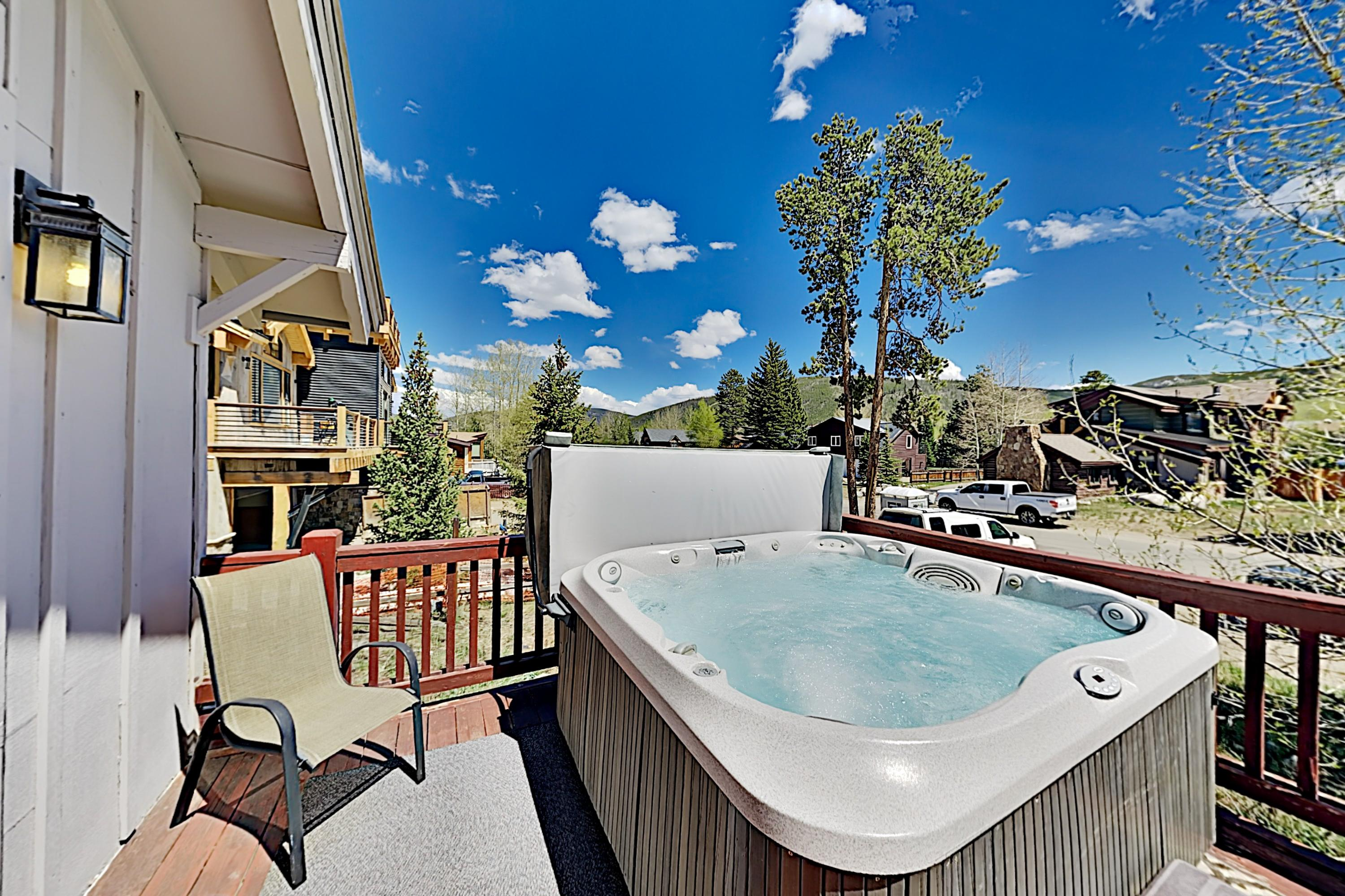 Stunning Luxe Mountain View Home with Private Hot Tub, Near Slopes