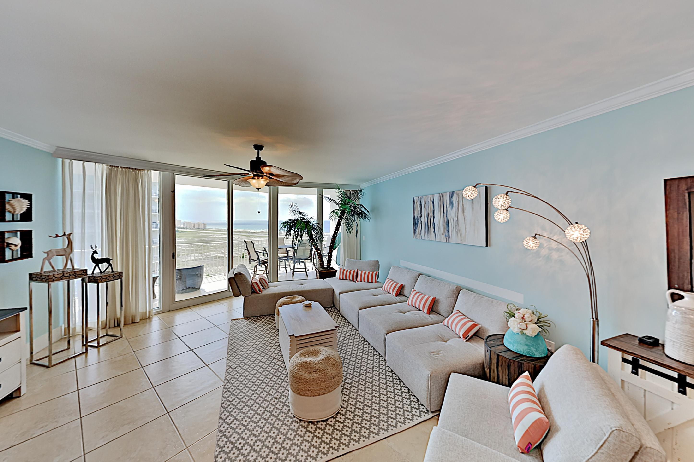 Property Image 2 - Modern Gulf View Condo with Lazy River, Sauna & Tennis