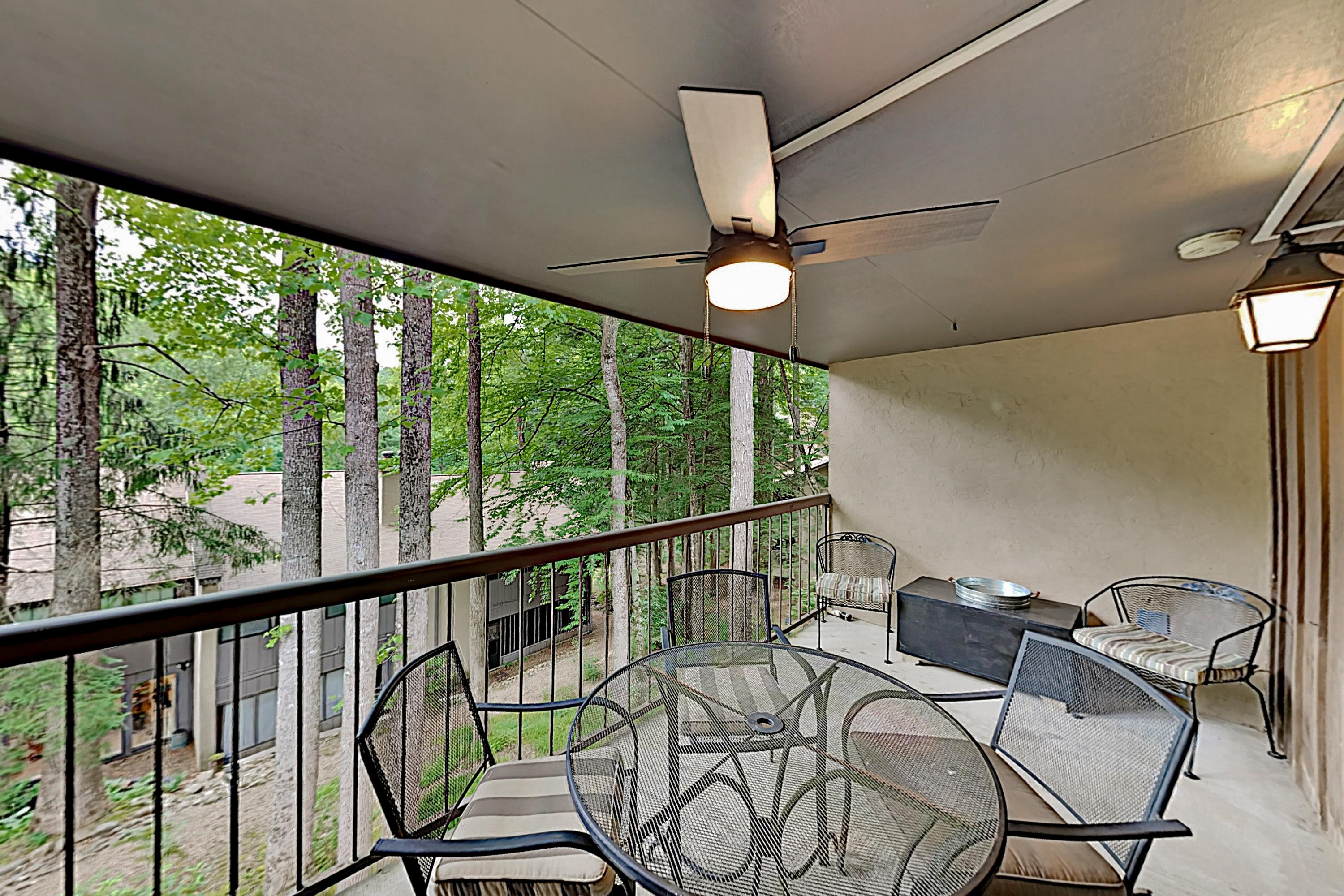 Property Image 2 - Cozy Condo with Pool & Tennis Access, in Chalet Village