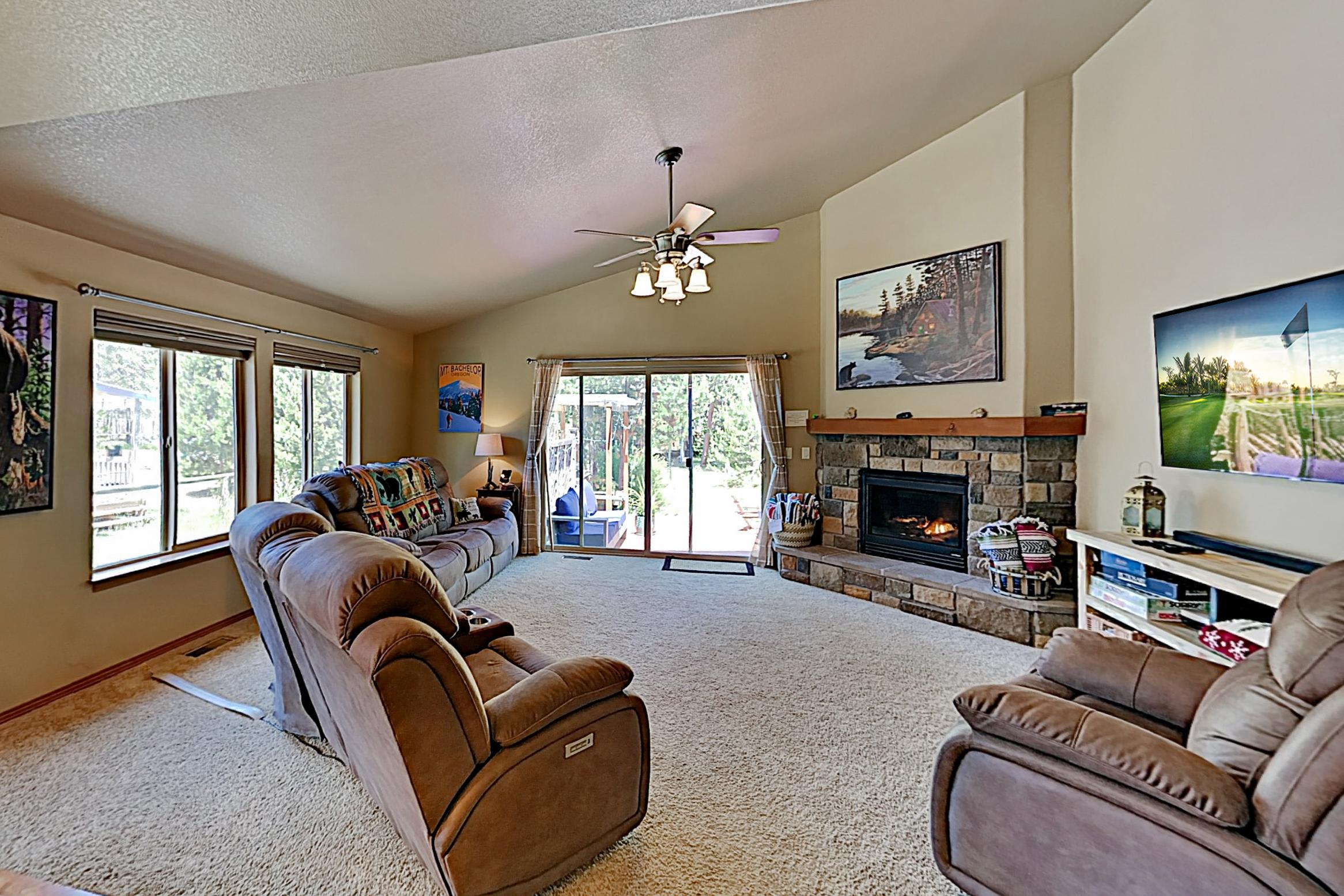 Property Image 1 - Spacious, Rustic Home with Hot Tub & Fire Pit, Near Mt. Bachelor