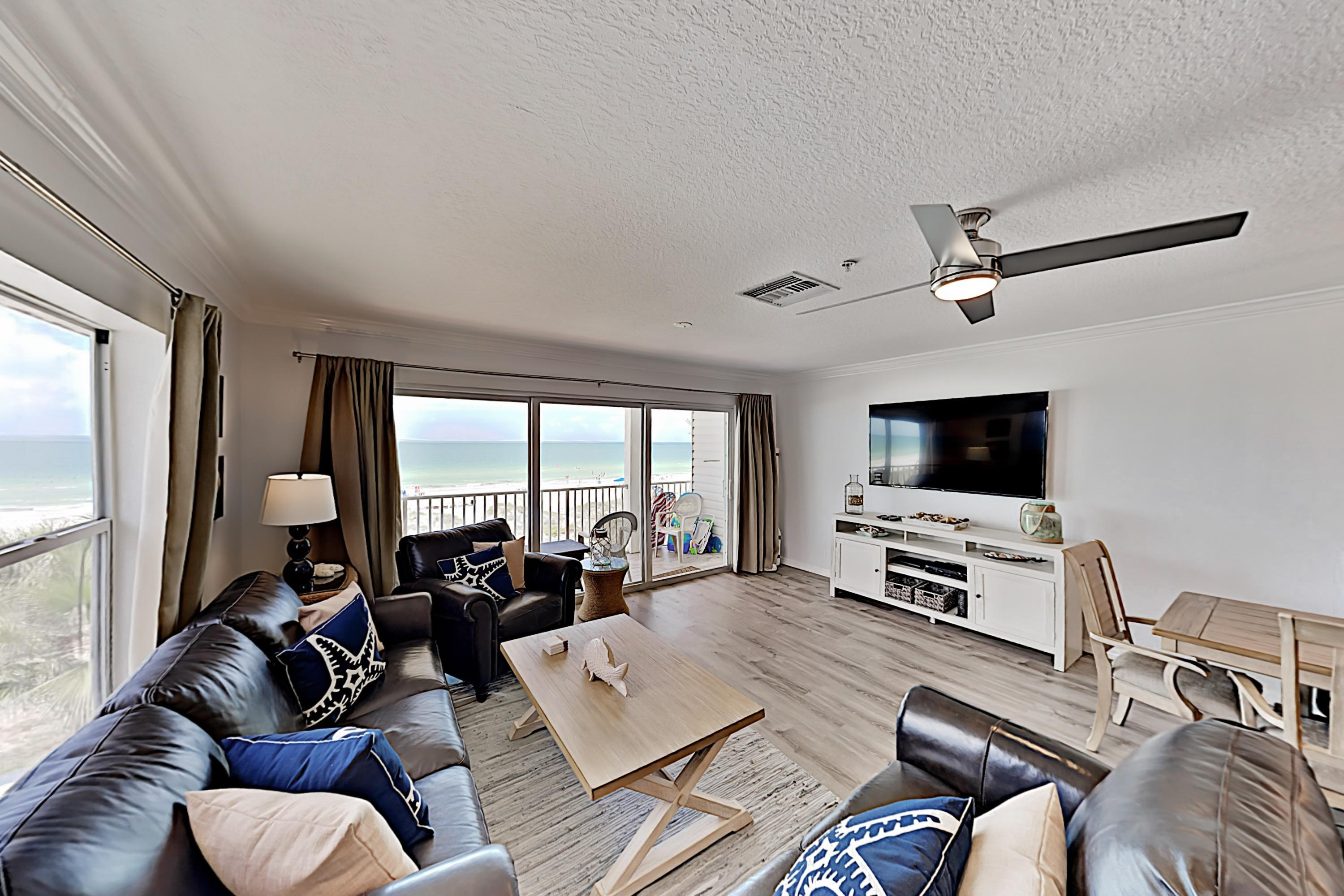Top-floor, Gulf View Condo with Balcony, Pool & Beach Access