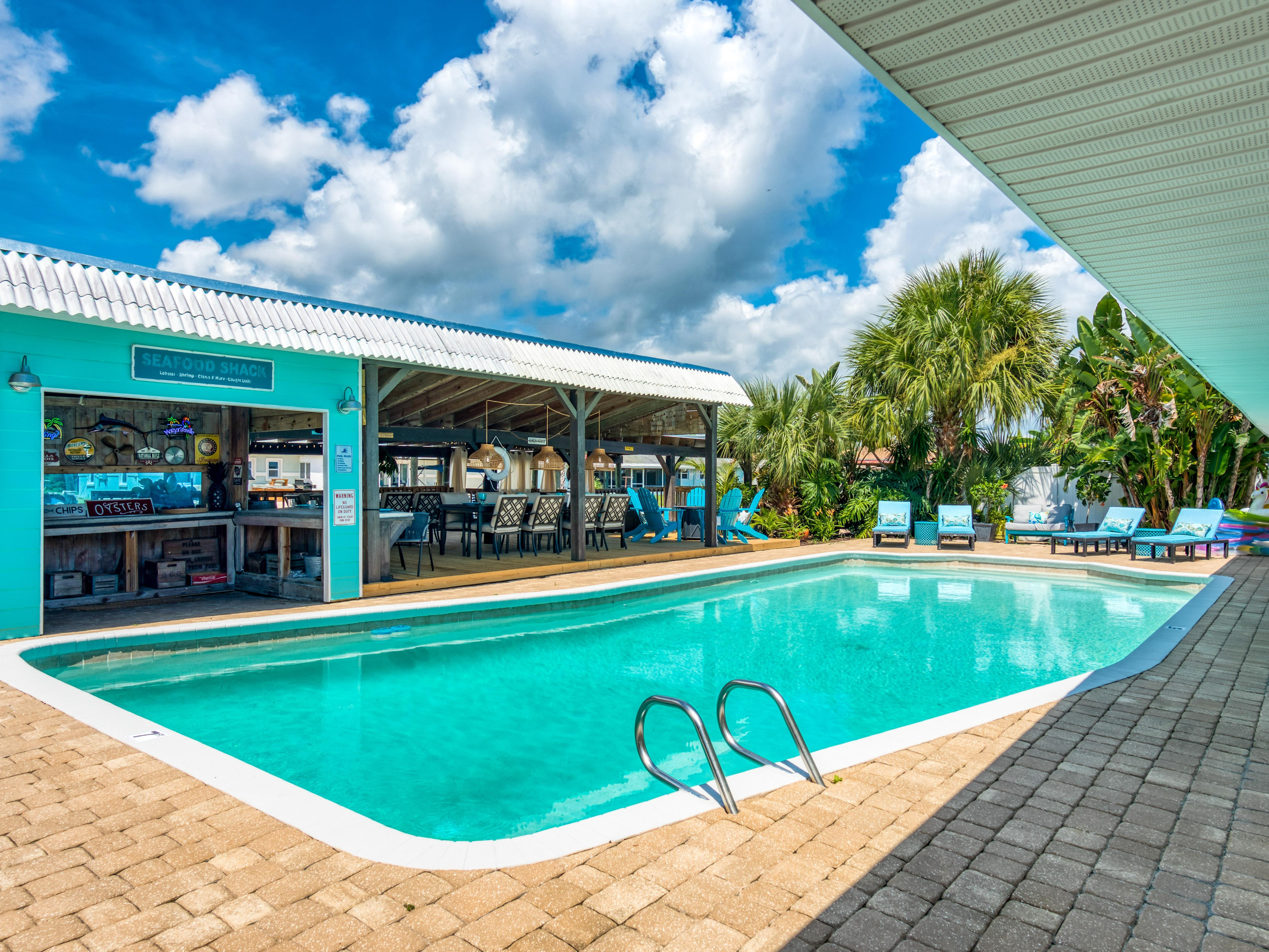 Canal-Front Dream – Pool & Dock, 3 Blocks to Beach