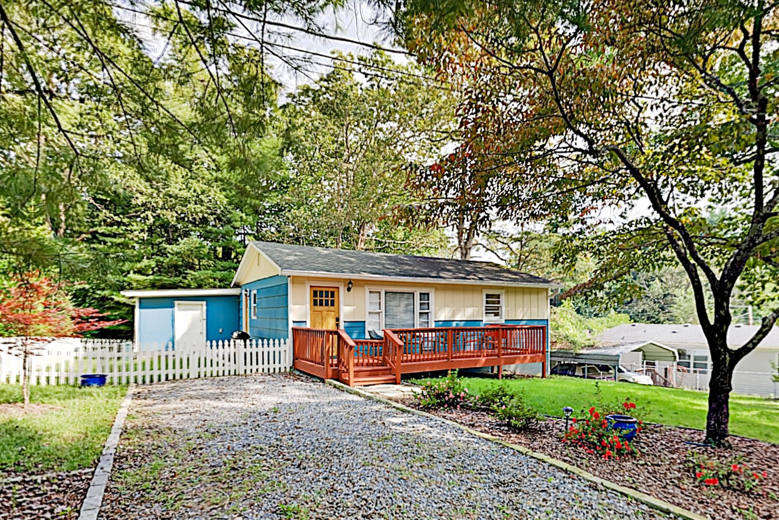 Property Image 2 - Cute Lake Tomahawk Cottage with Firepit, Walk to Downtown