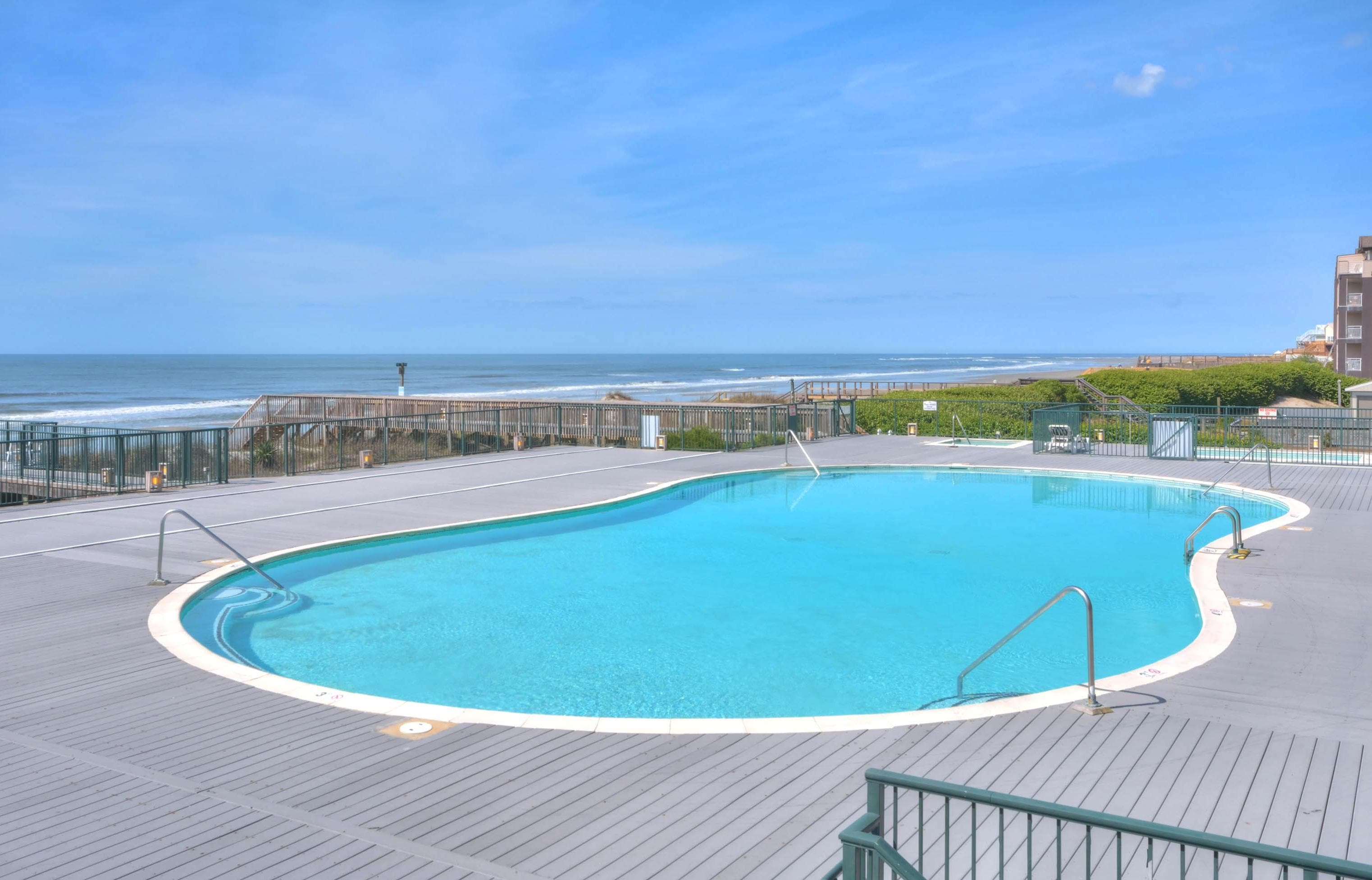 Waterview Condo with Oceanfront Pool & Tennis Access