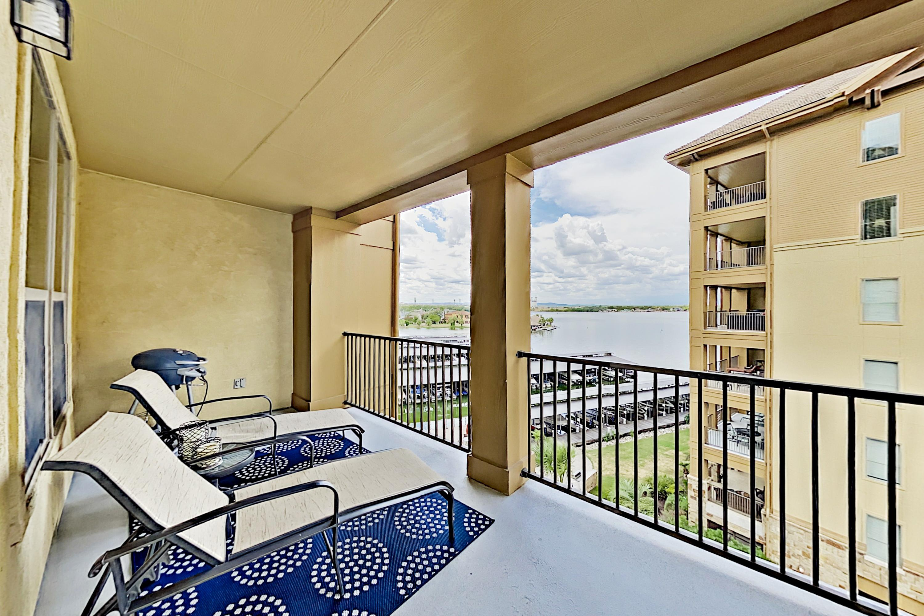 Lakeside Hill Country Escape: Views, Pool & Marina