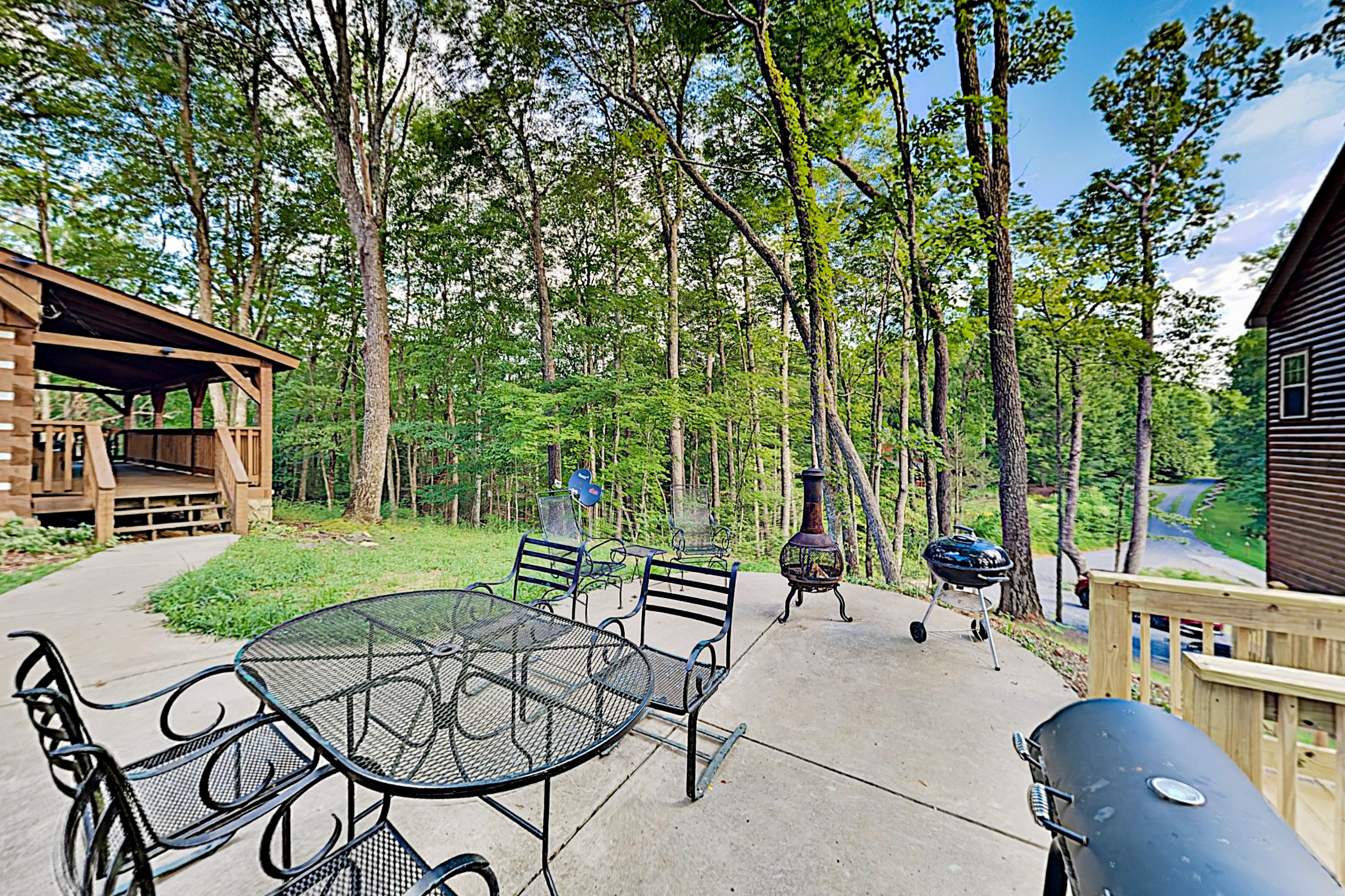 Property Image 2 - Serenity Ridge: Deluxe Cabin w/ Hot Tub & Pool Table