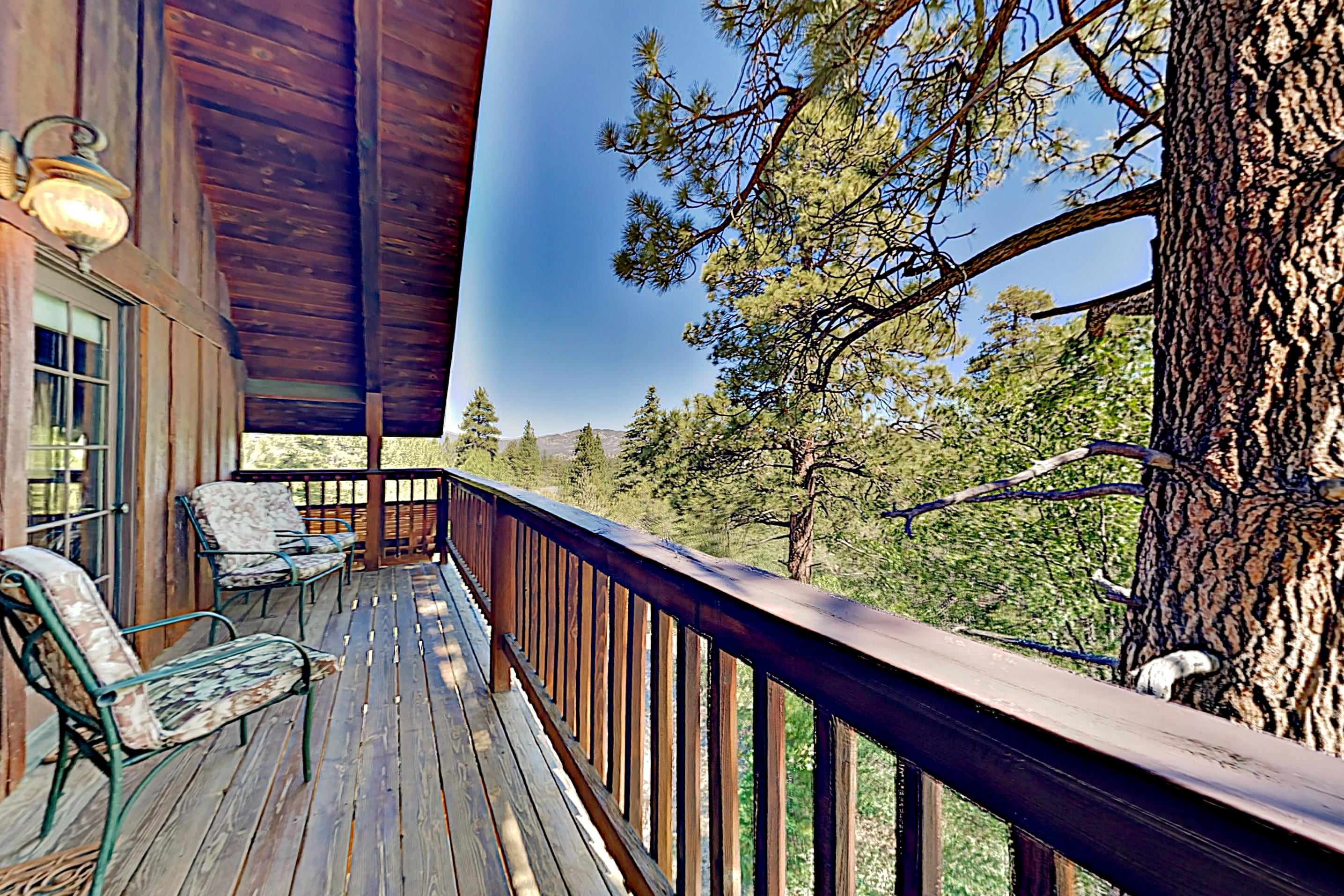 Property Image 2 - Beautiful Log House: Large Deck & Private Hot Tub