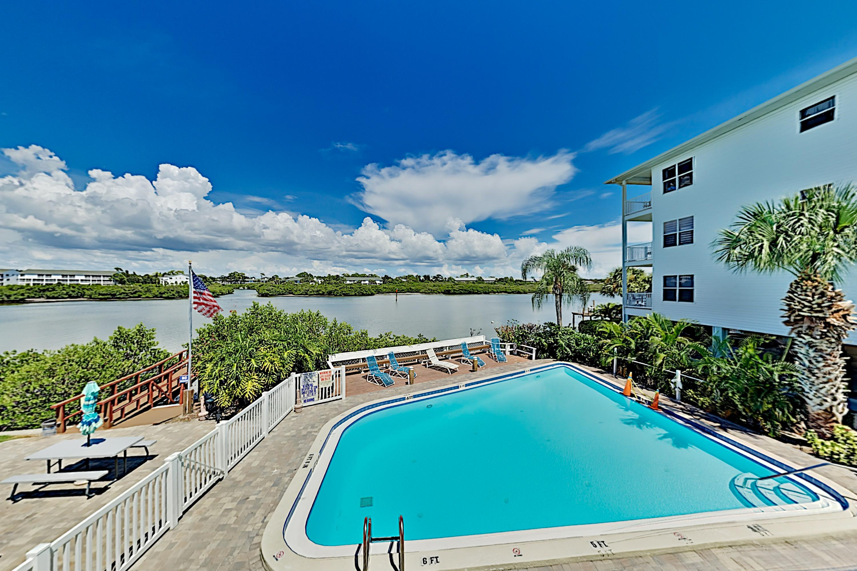 Property Image 2 - Gulf View Beach Condo with Pool & Fishing Dock Access, Near Shops