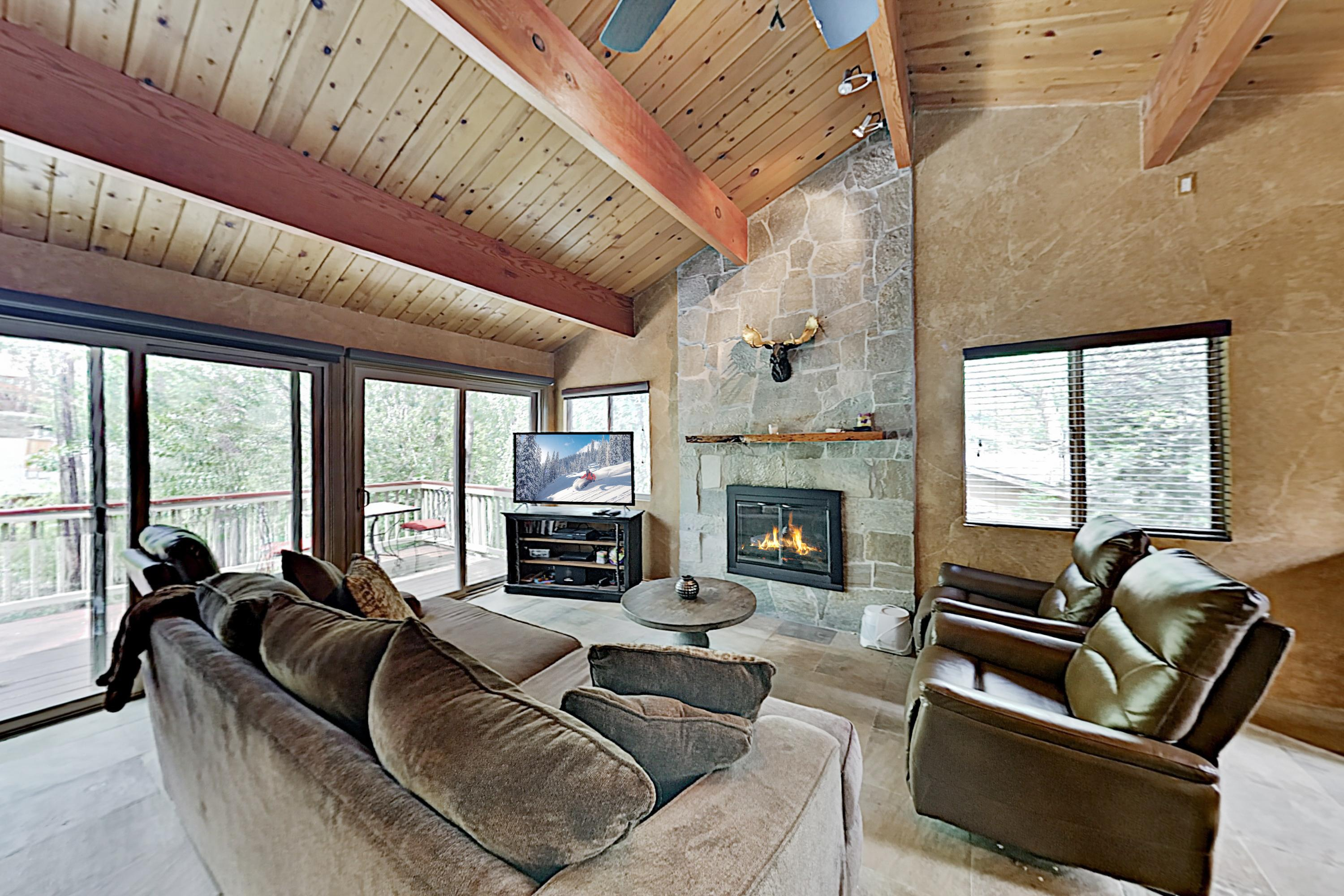 Property Image 1 - Moonridge Getaway with Private Hot Tub; Near Bear Mountain
