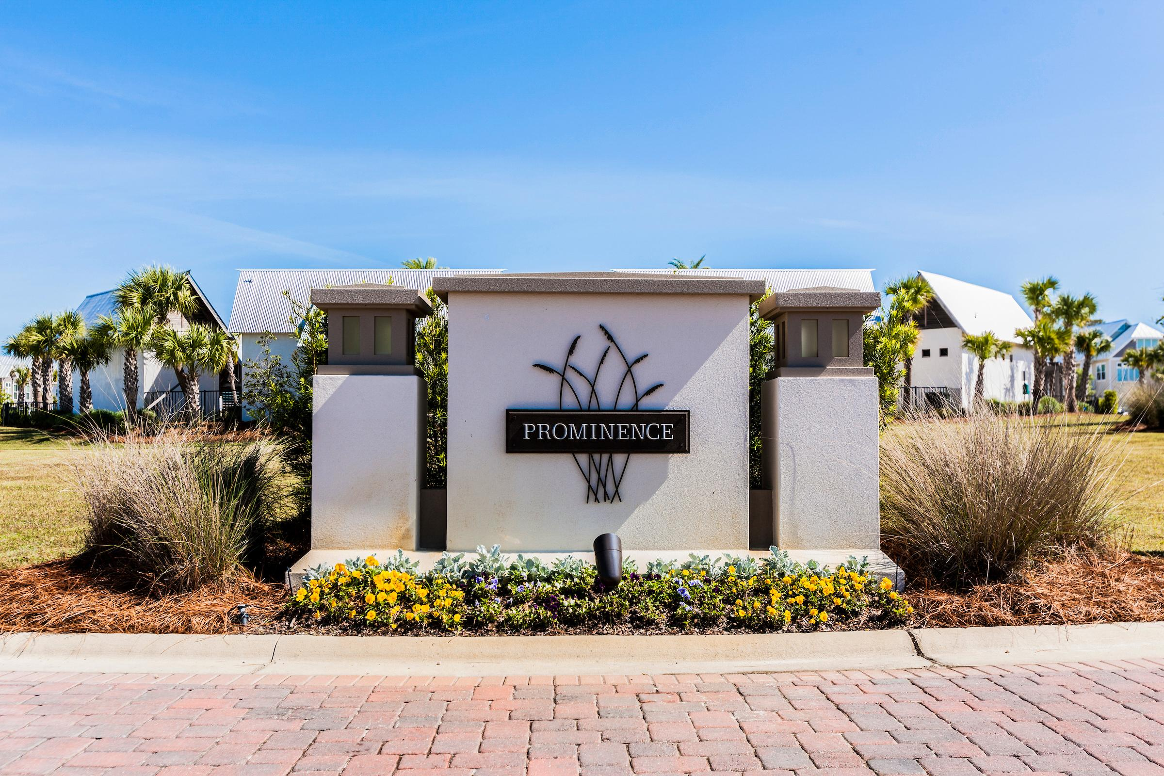 Luxe Corner-Unit Townhome with Bikes & Beach Shuttle