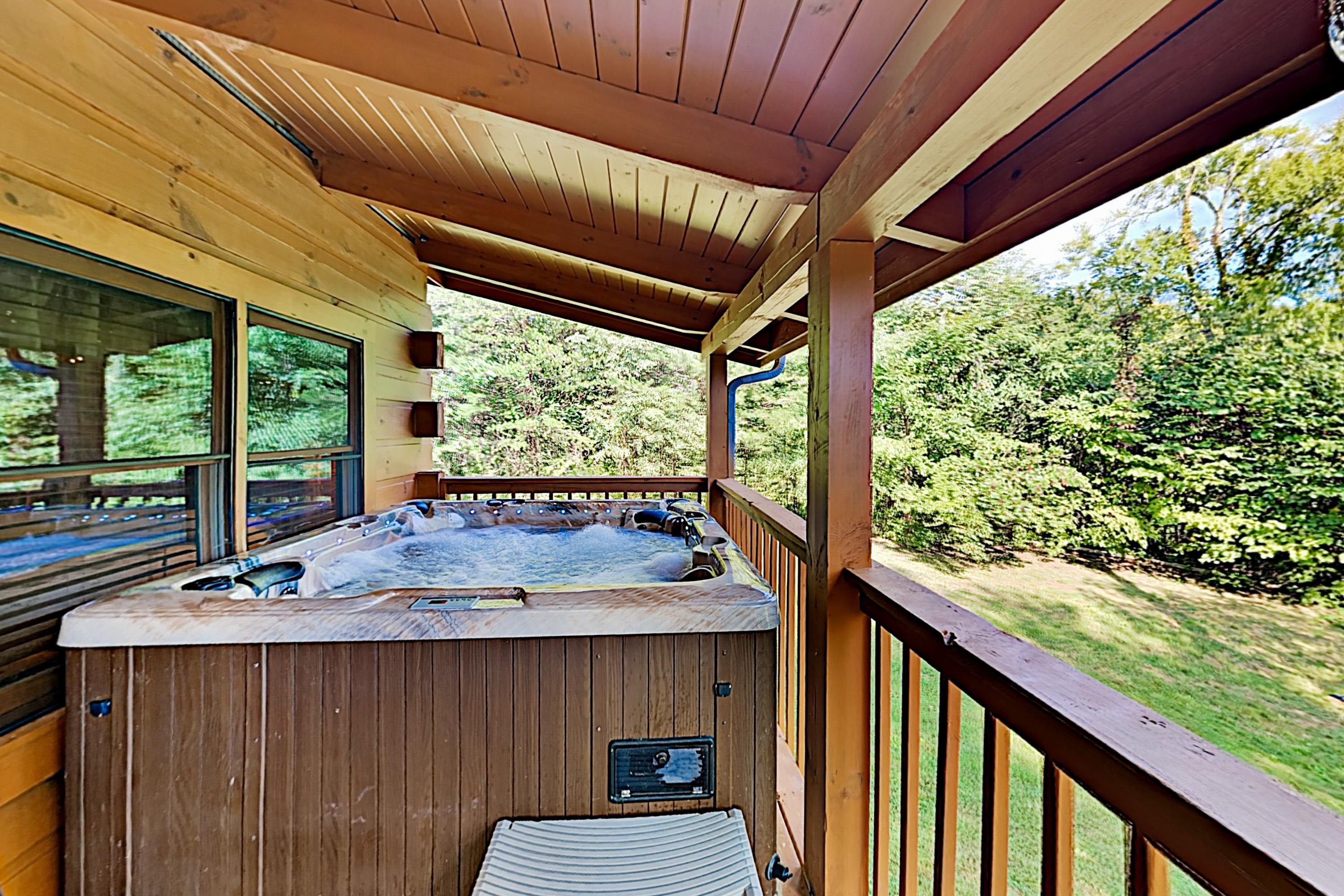 Tranquil Retreat by Lake | Pool & Private Hot Tub