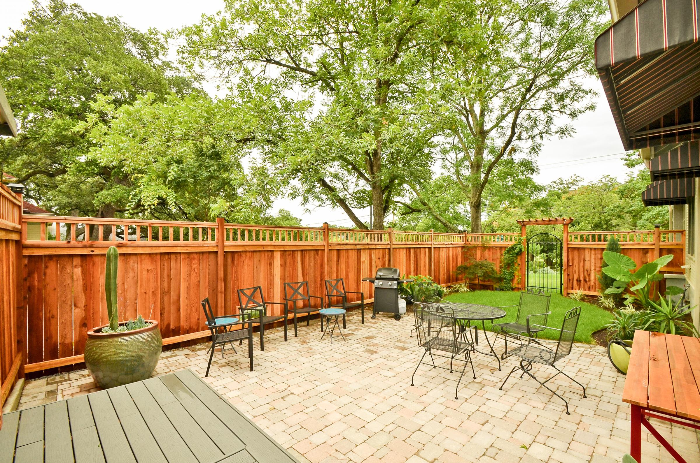 Welcome to Austin! The backyard of this home is the perfect place to sit outside and bask in the amazing Texas sunshine.