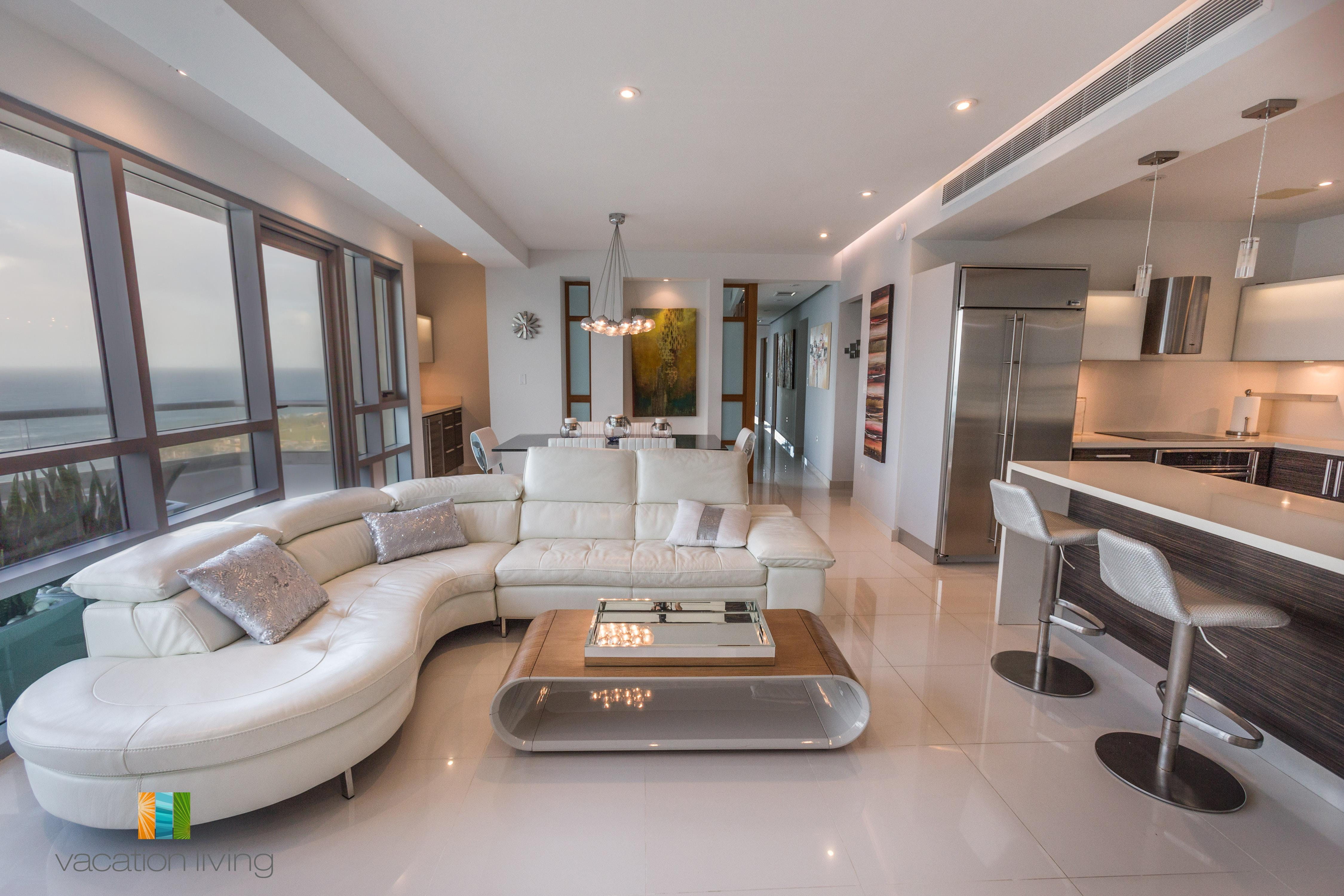 Exquisite Renovated Condo With Breathtaking Views