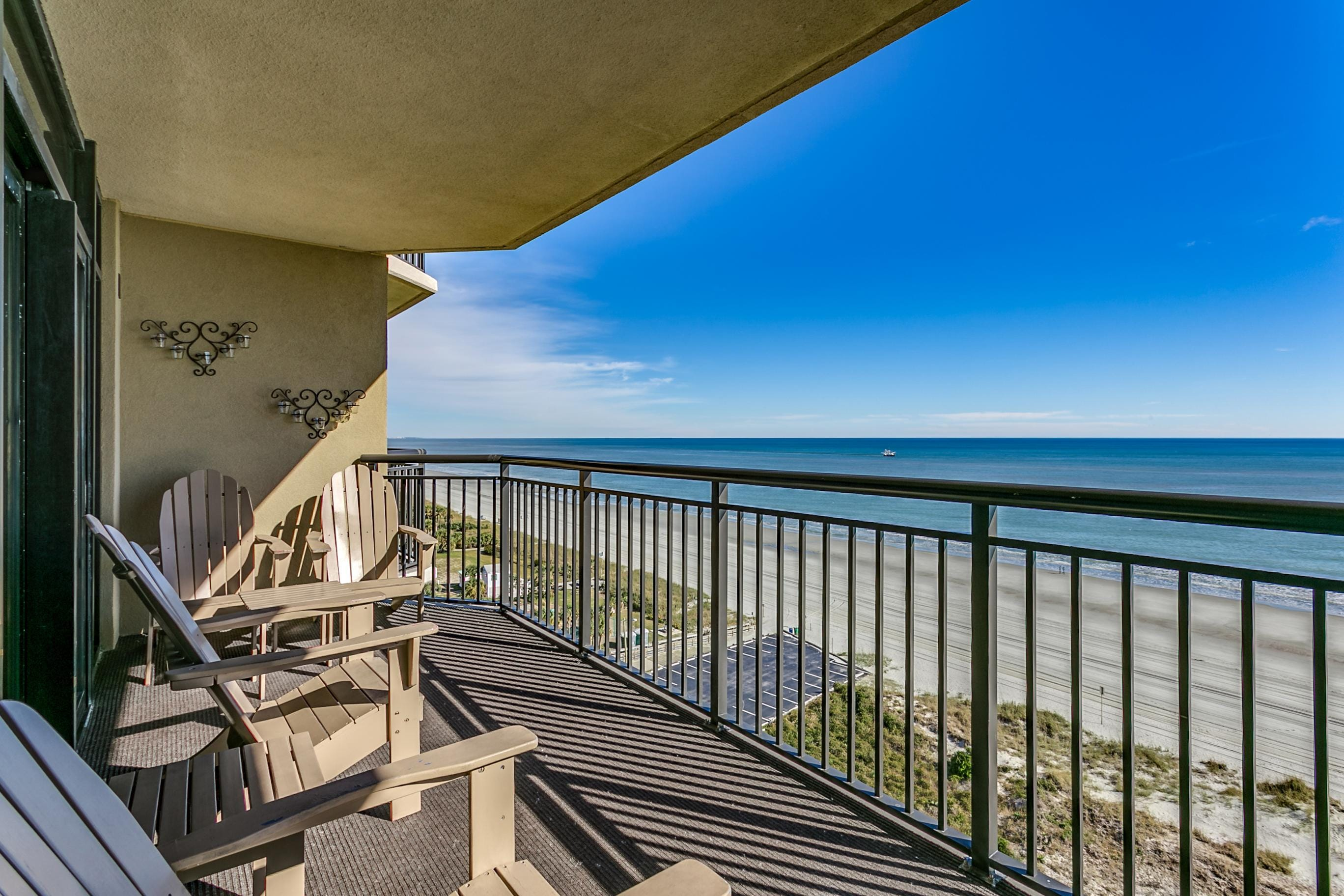 Property Image 1 - Updated Oceanfront Condo with Lavish Water Amenities