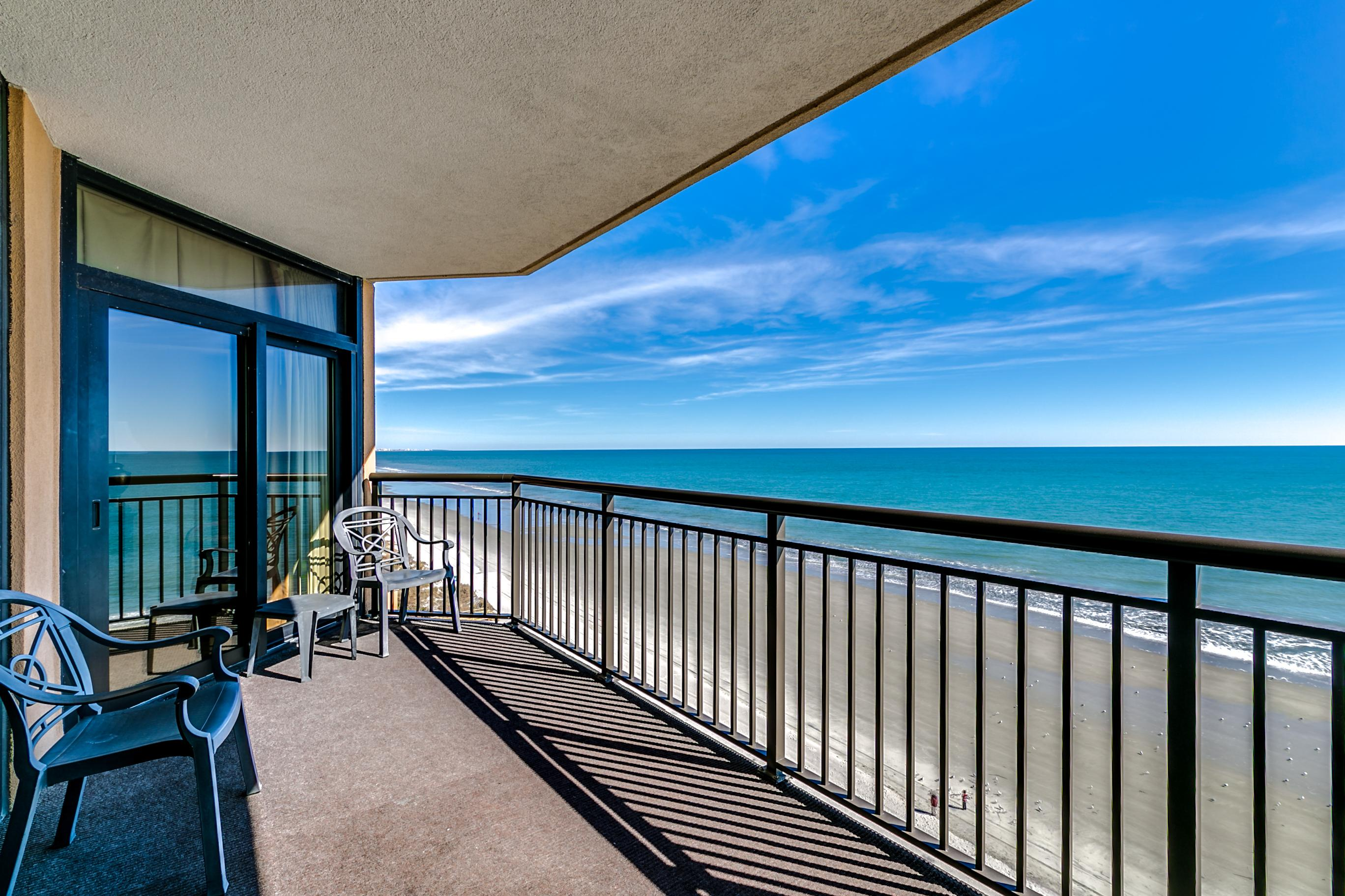Property Image 1 - Updated Oceanfront Condo with Extensive Water Amenities