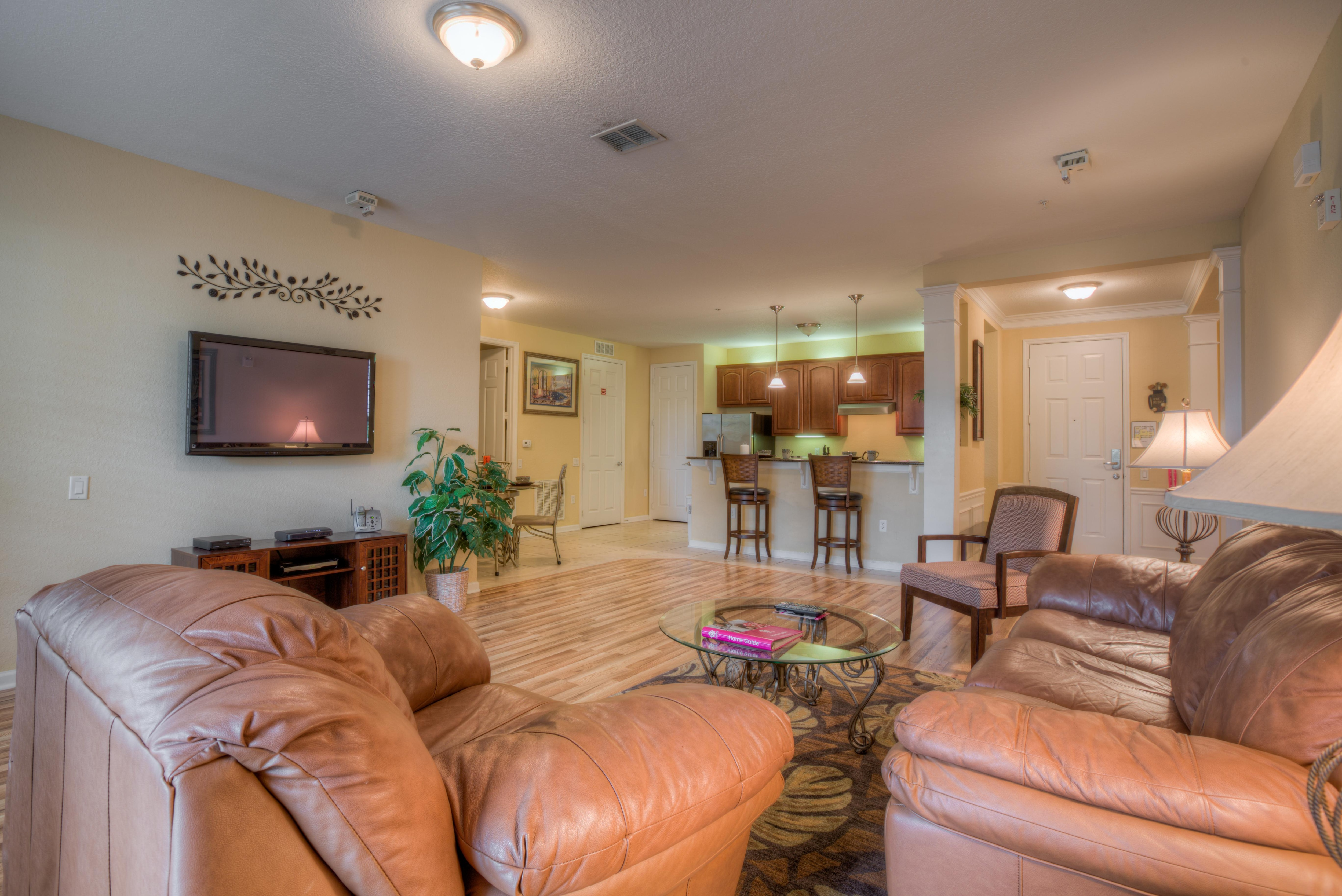 Spectacular Condo with Lake View Patio & Resort Access