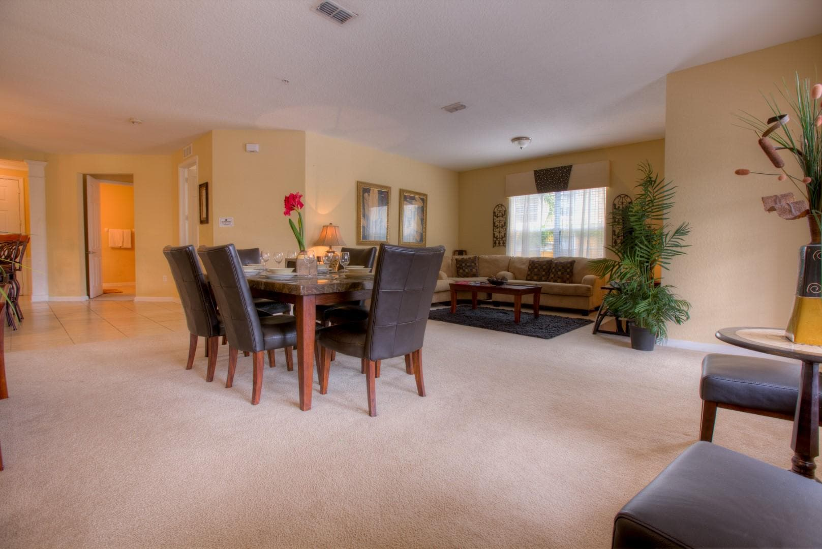 Warm, Welcoming Condo with Pool, Hot Tub & Gym Access